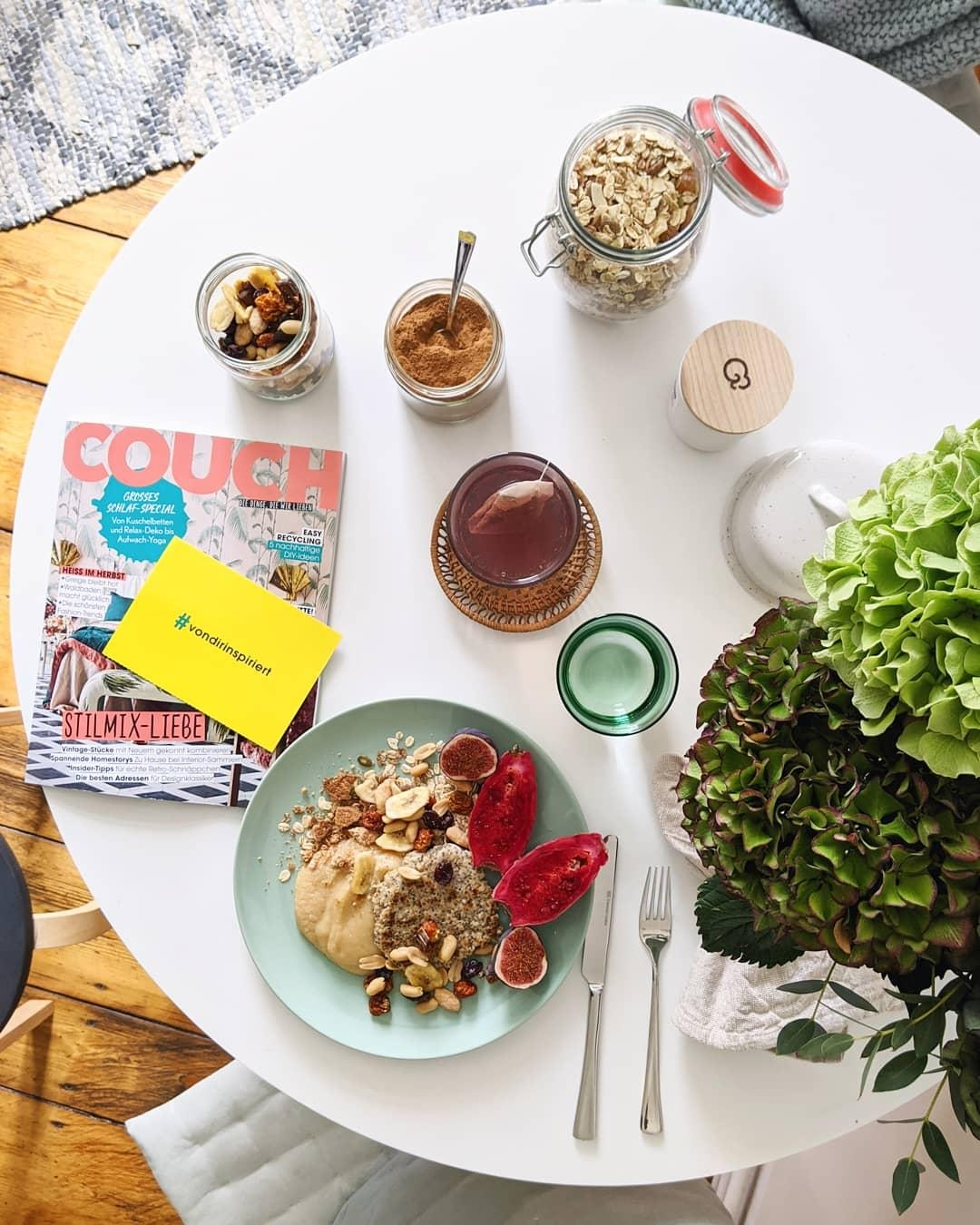 November-Ausgabe. #goodmorning #doyoureadme #couchmagazin #couchstyle #kitchentable #couchies