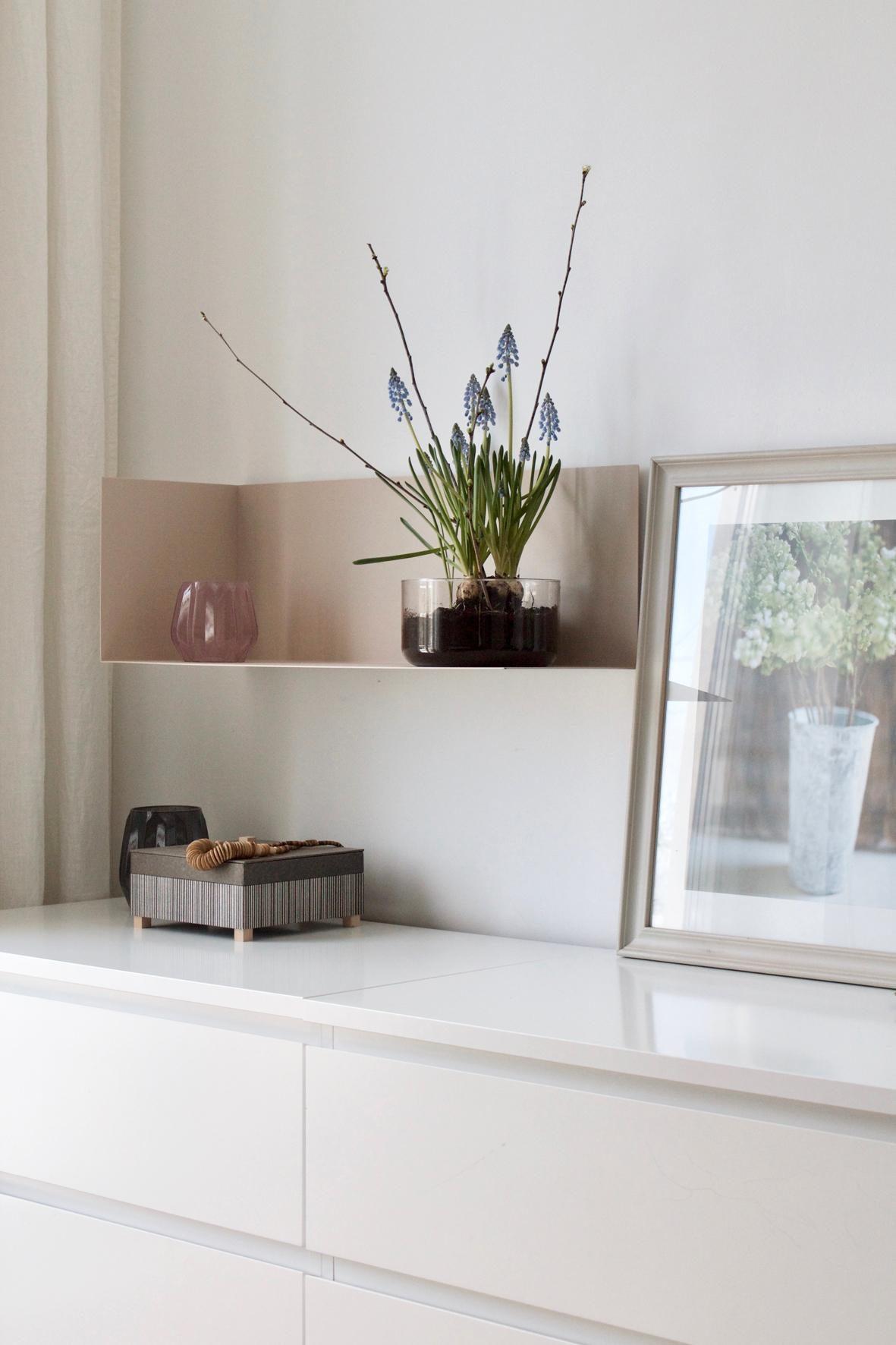 Nude Fürs Regal Schlafzimmer Deko Weiß Minimali