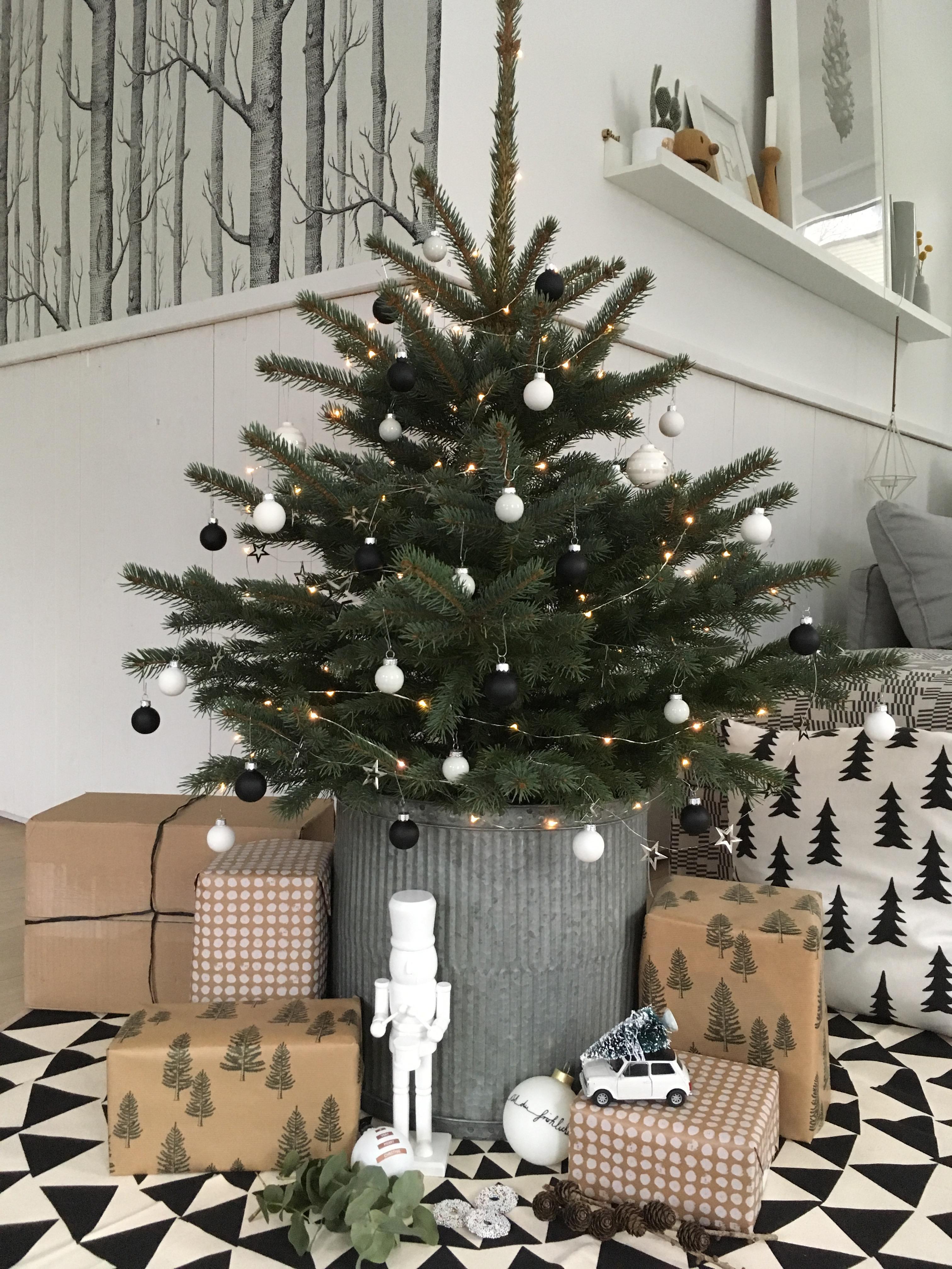 Weihnachtsbaum schmücken: So wird\'s heimelig!