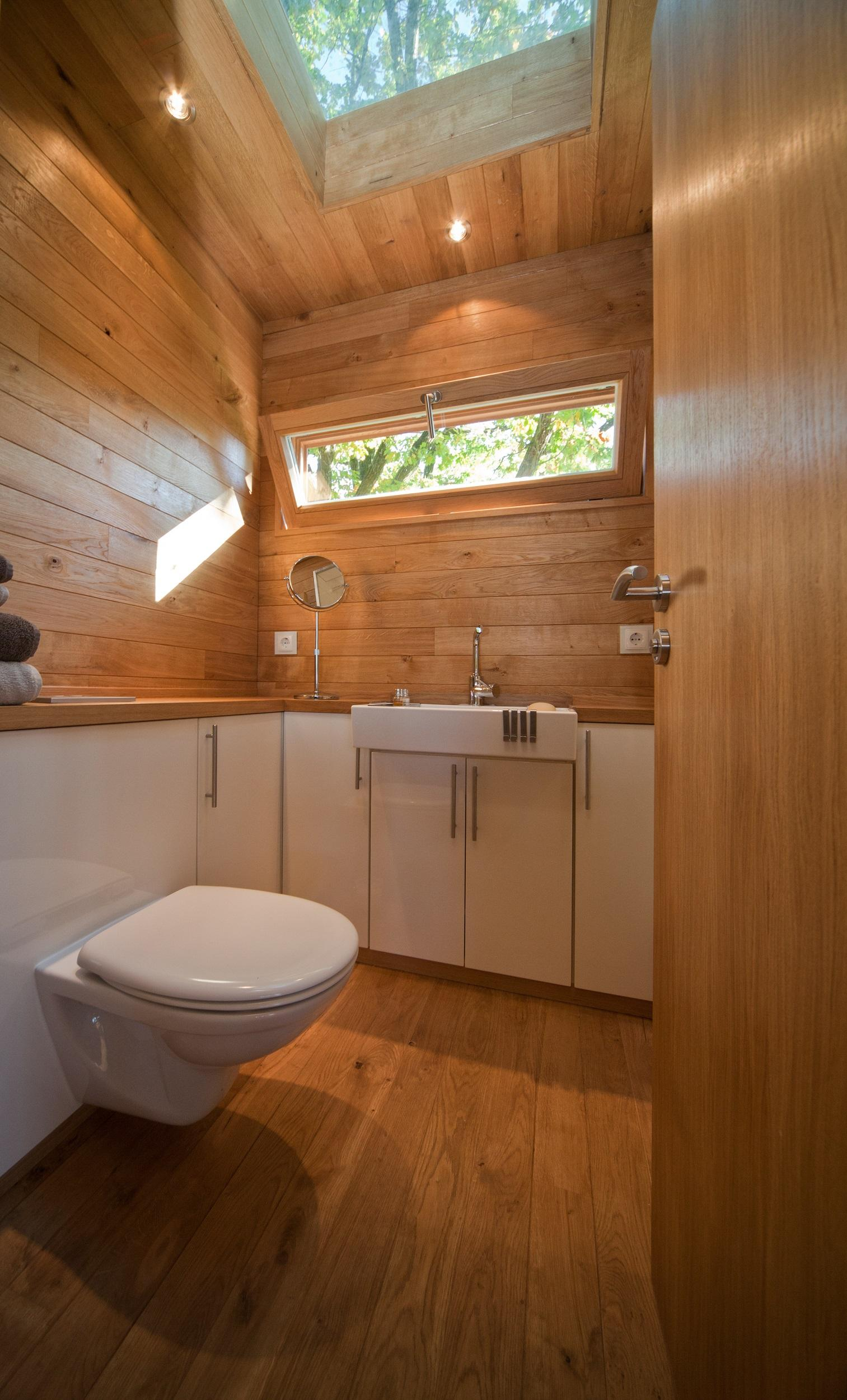 Oberlicht im Baumhaus Badezimmer   nicht beschriften...