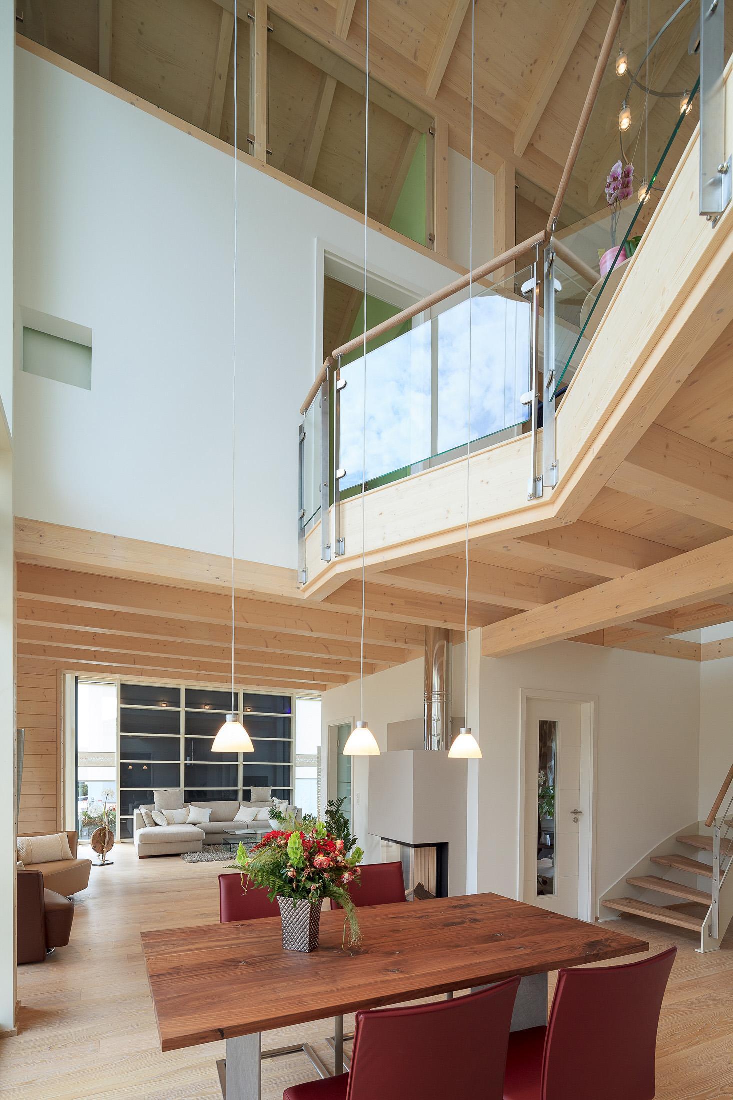 Offene treppe bilder ideen couch - Haus mit galerie im wohnzimmer ...
