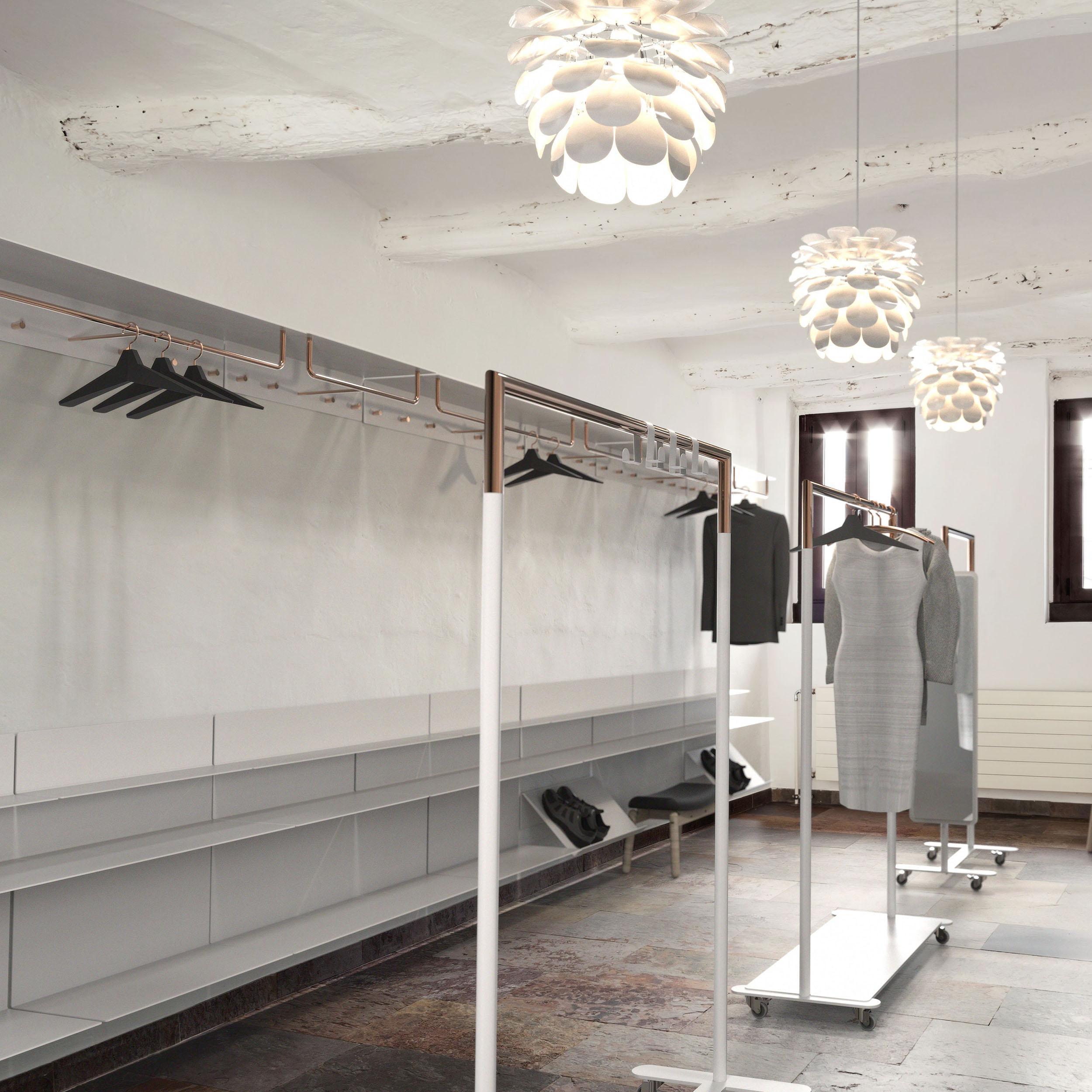 offenes ankleidezimmer im edlen weiss kupfer mix ablage aufbewahrung kleiderstander
