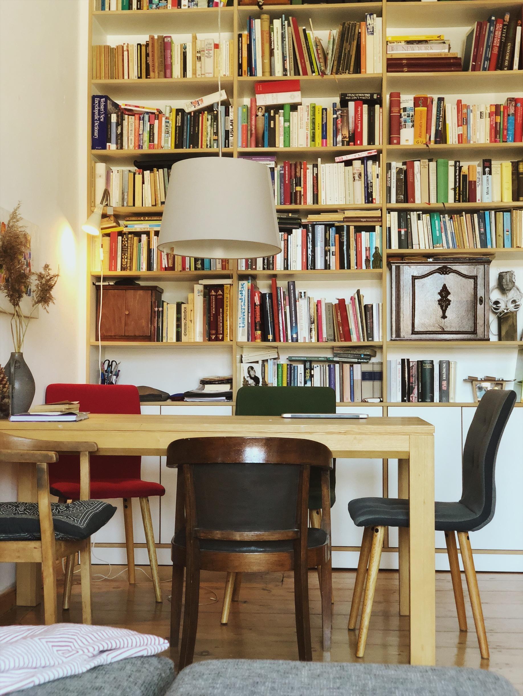Bücherregal So Wird Es Zum Blickfang