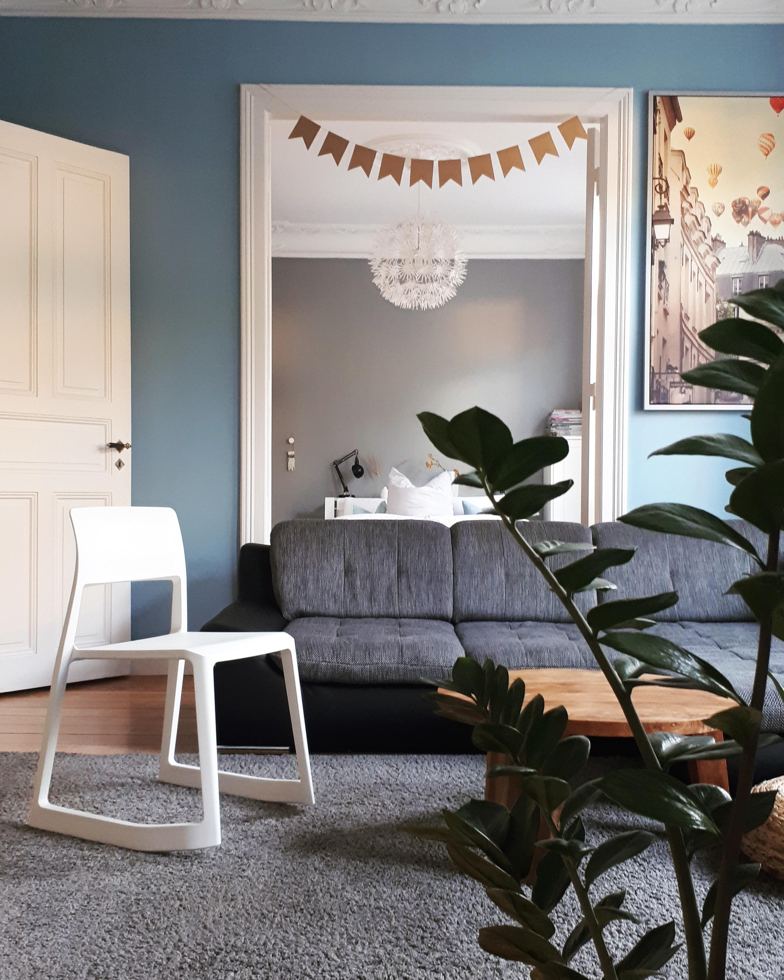 Partystimmung 🥂 #wohnzimmer #schlafzimmer #durchblick #altbau