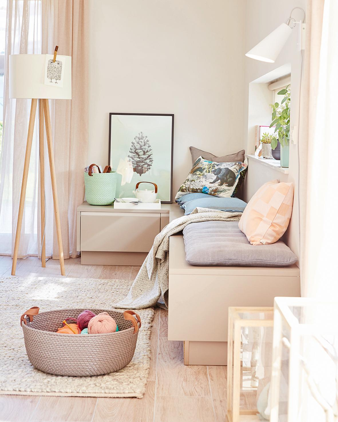 Pearl SCHONER WOHNEN Trendfarbe Wandfarbe Teppich Wohnzimmer Wandgestaltung Stehlampe