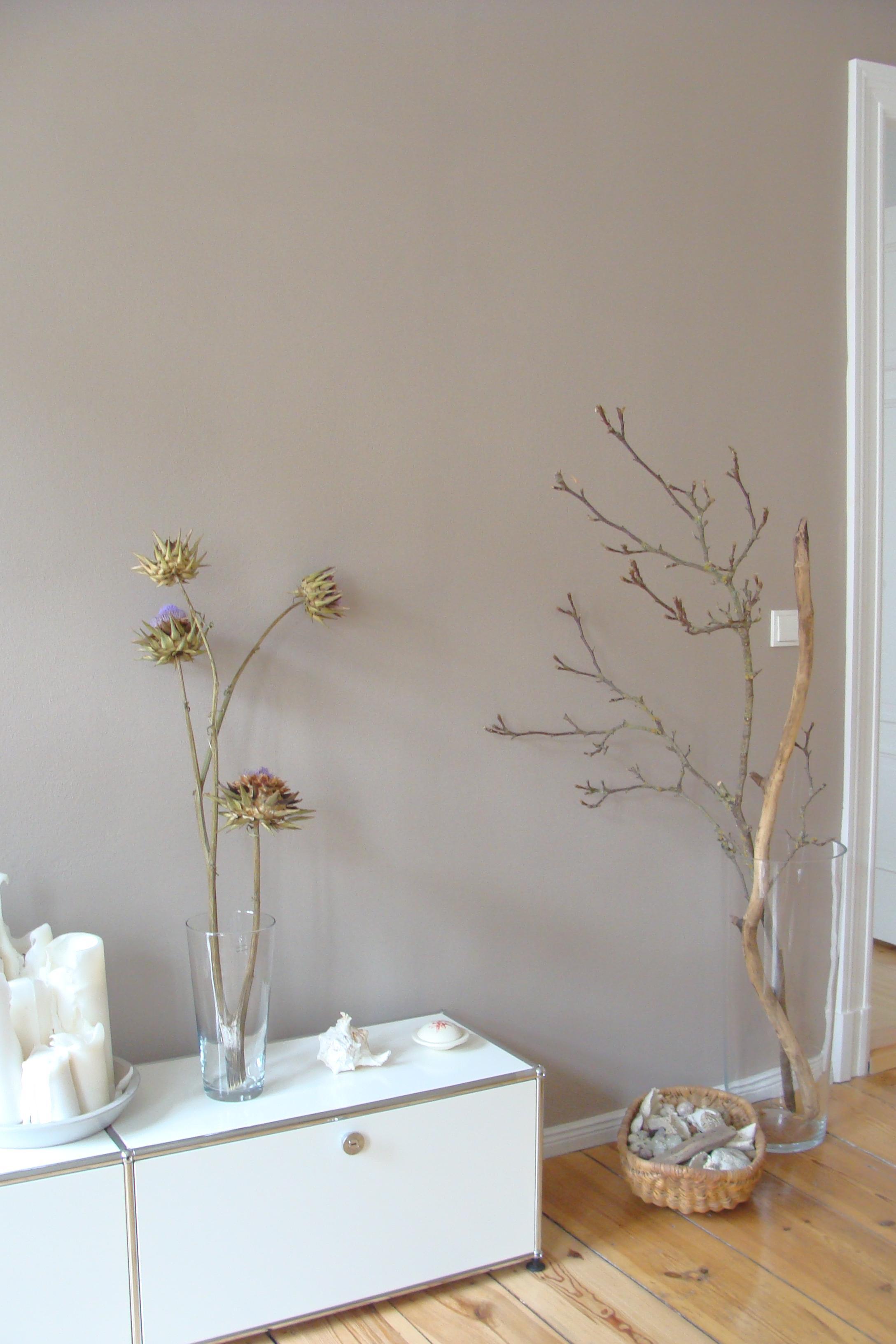 Pflanzendeko Vor Sandfarbener Wand #wohnzimmer #pflanzendeko ©Mareike Kühn  Interior Stylist U0026amp; Visual