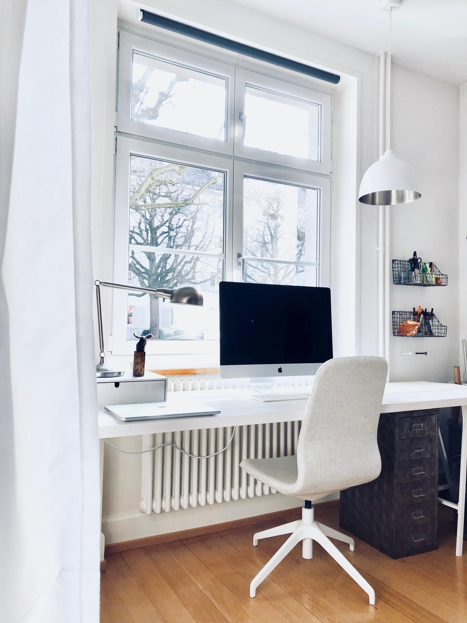 Place to be #homeoffice #workingstation #scandinavianliving #nordicstyle #white #grey