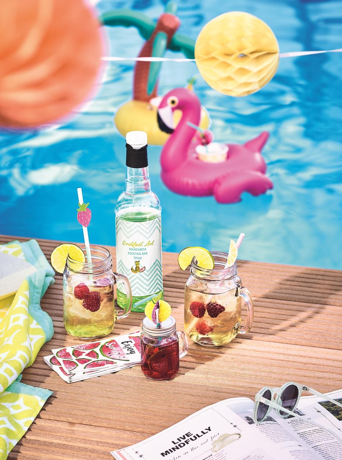 """Pool Party"" von DEPOT #pool #flamingo #gartenparty ©DEPOT"