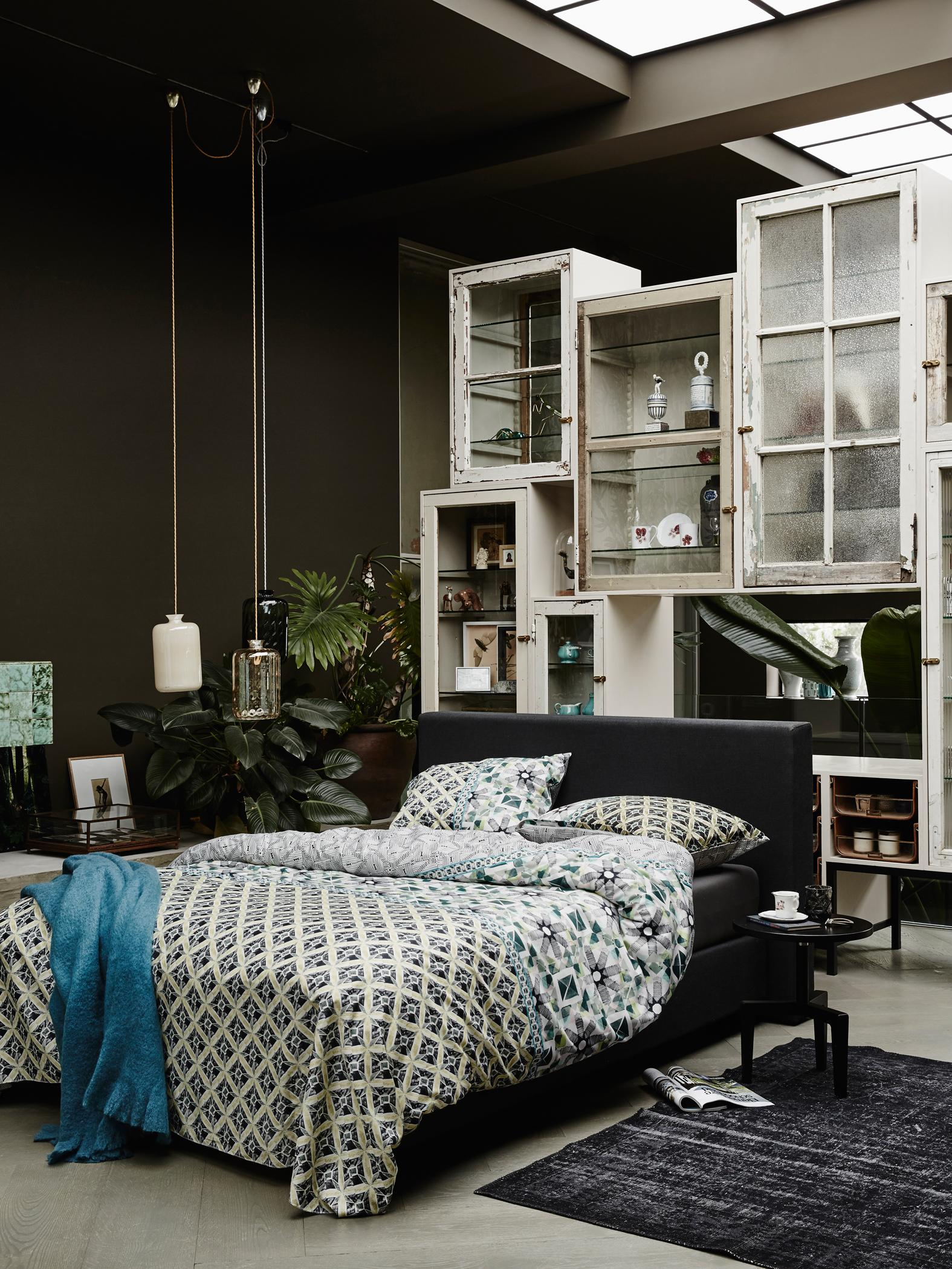 regal als raumtrenner bett bettw sche wohnwand z. Black Bedroom Furniture Sets. Home Design Ideas