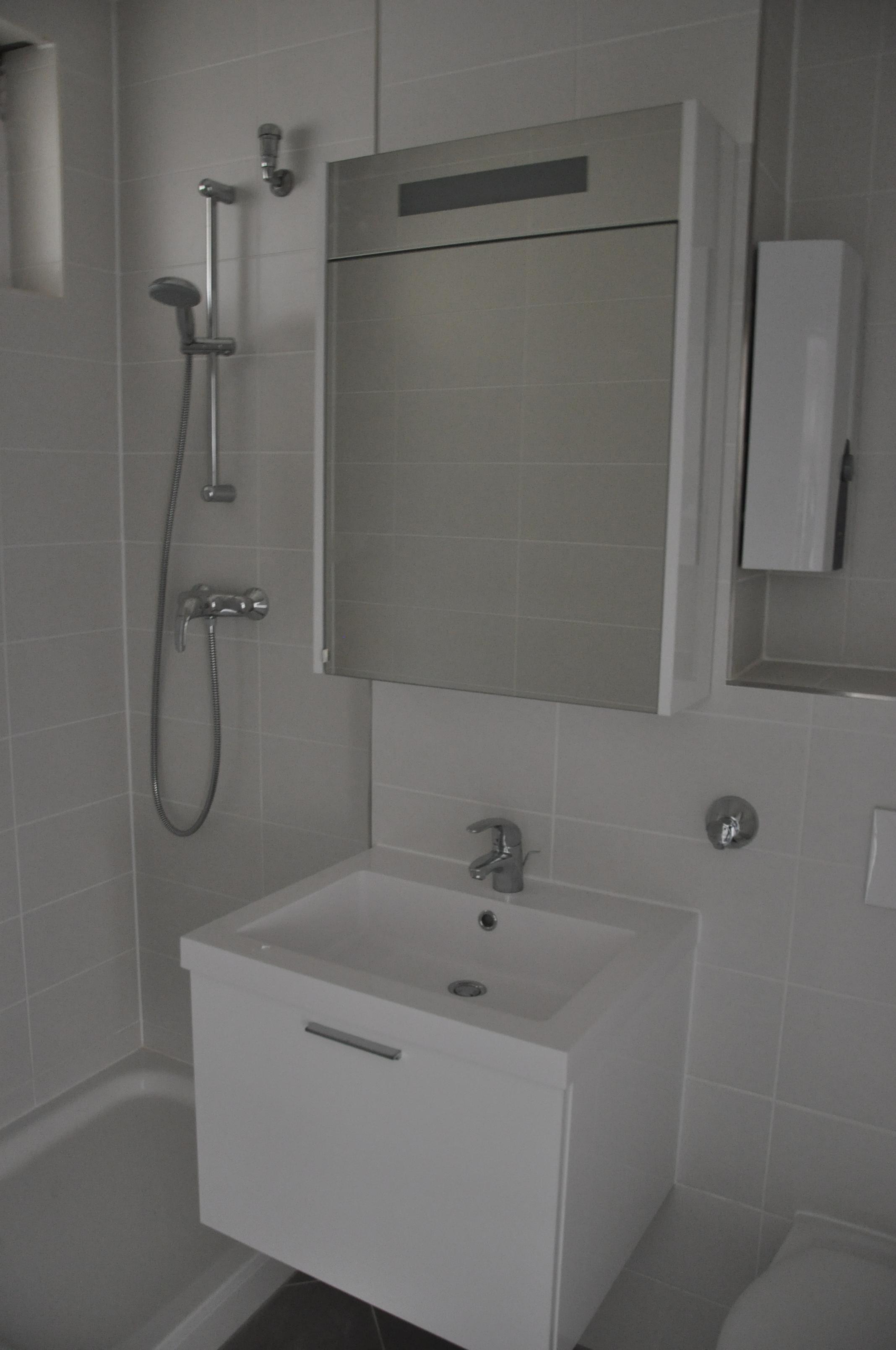Renoviertes Badezimmer #wandfliesen ©daniela Ferber