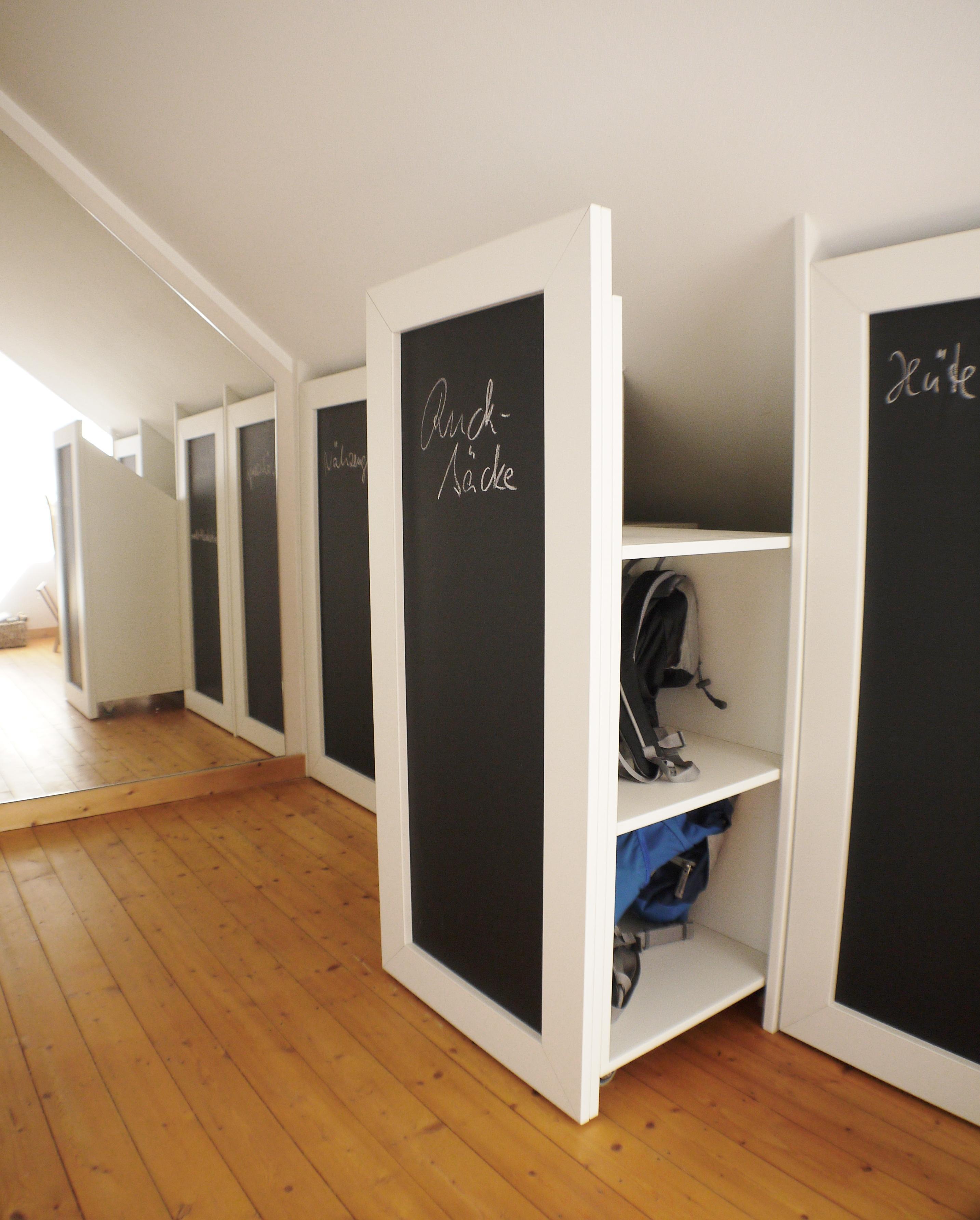 dachschr gen aufbewahrung bilder ideen couchstyle. Black Bedroom Furniture Sets. Home Design Ideas