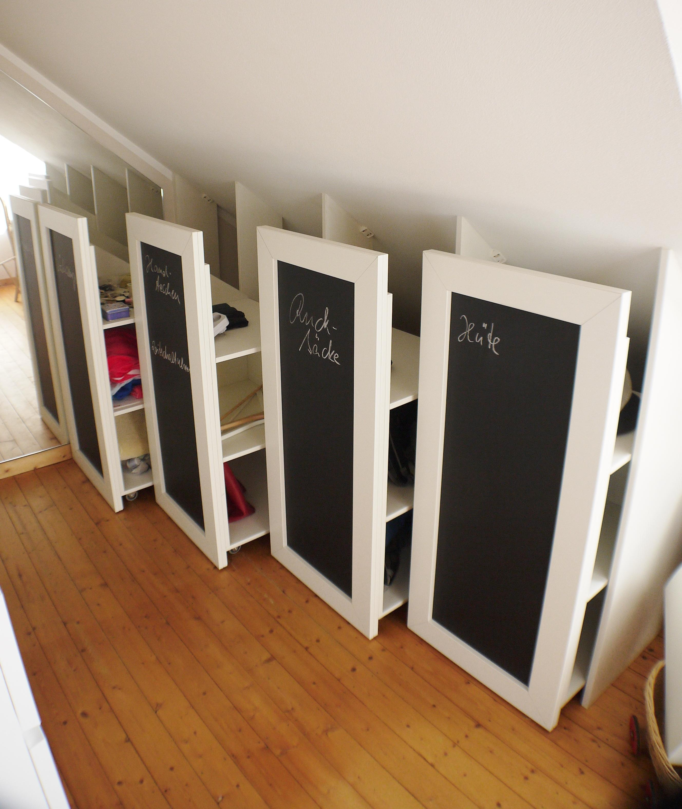 rollcontainer f r dachschr gen dachschr ge schrank. Black Bedroom Furniture Sets. Home Design Ideas