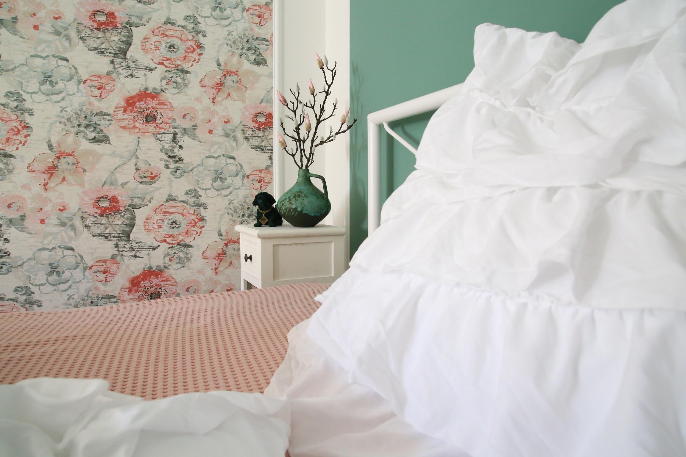 Romantischer Look #schlafzimmer #romantisch #verspie...