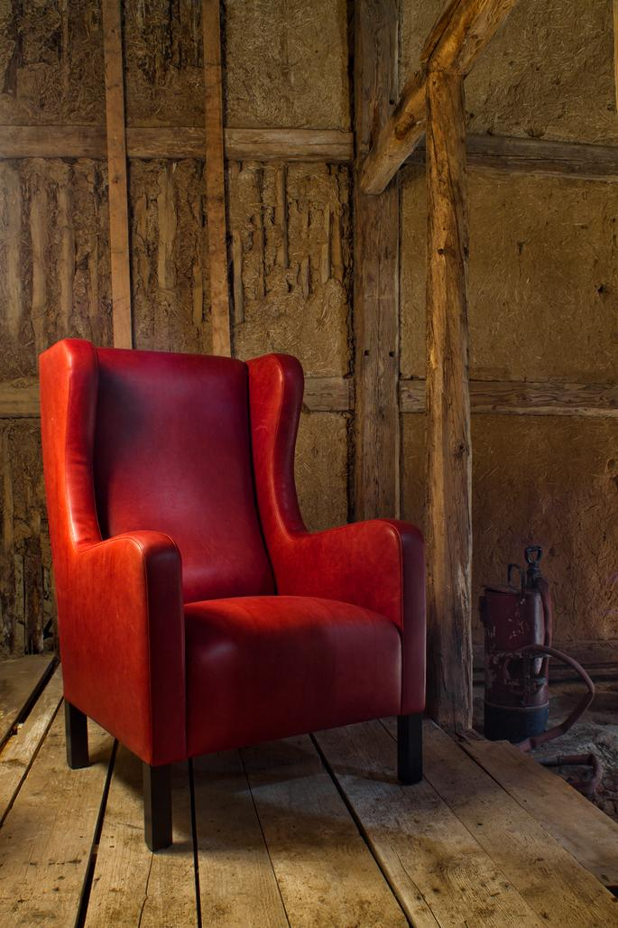 Roter Ohrensessel #vintage #shabbychic #rotersessel ©yardpix