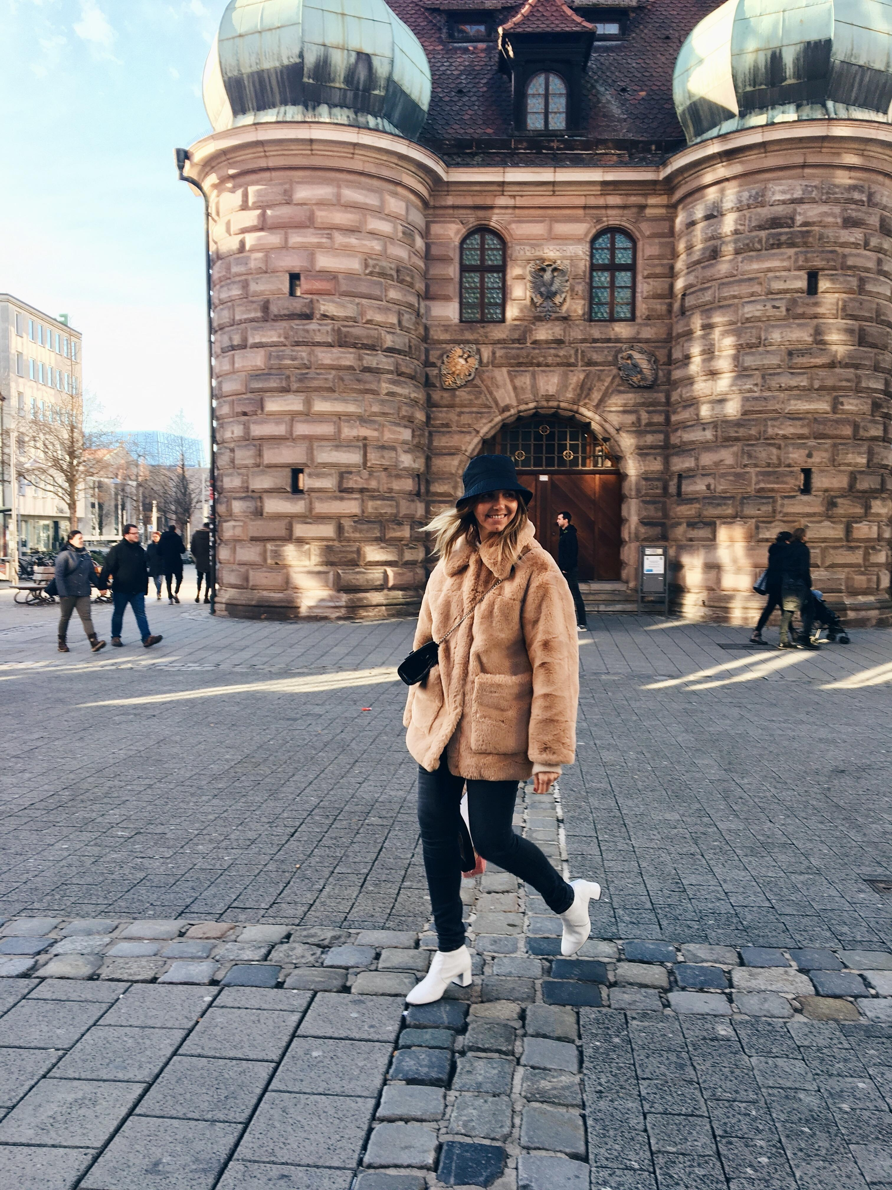 Russian vibes in Nuremberg #weekendvibes #weekendmood -#streetstyle #streetwear #streetfashion #cityphotografy #fashion