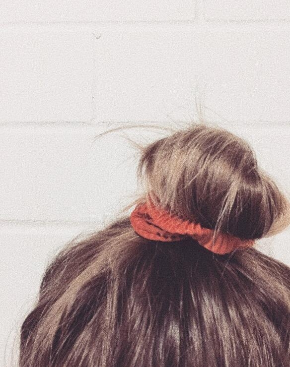 S C R U N C H I E 🧡