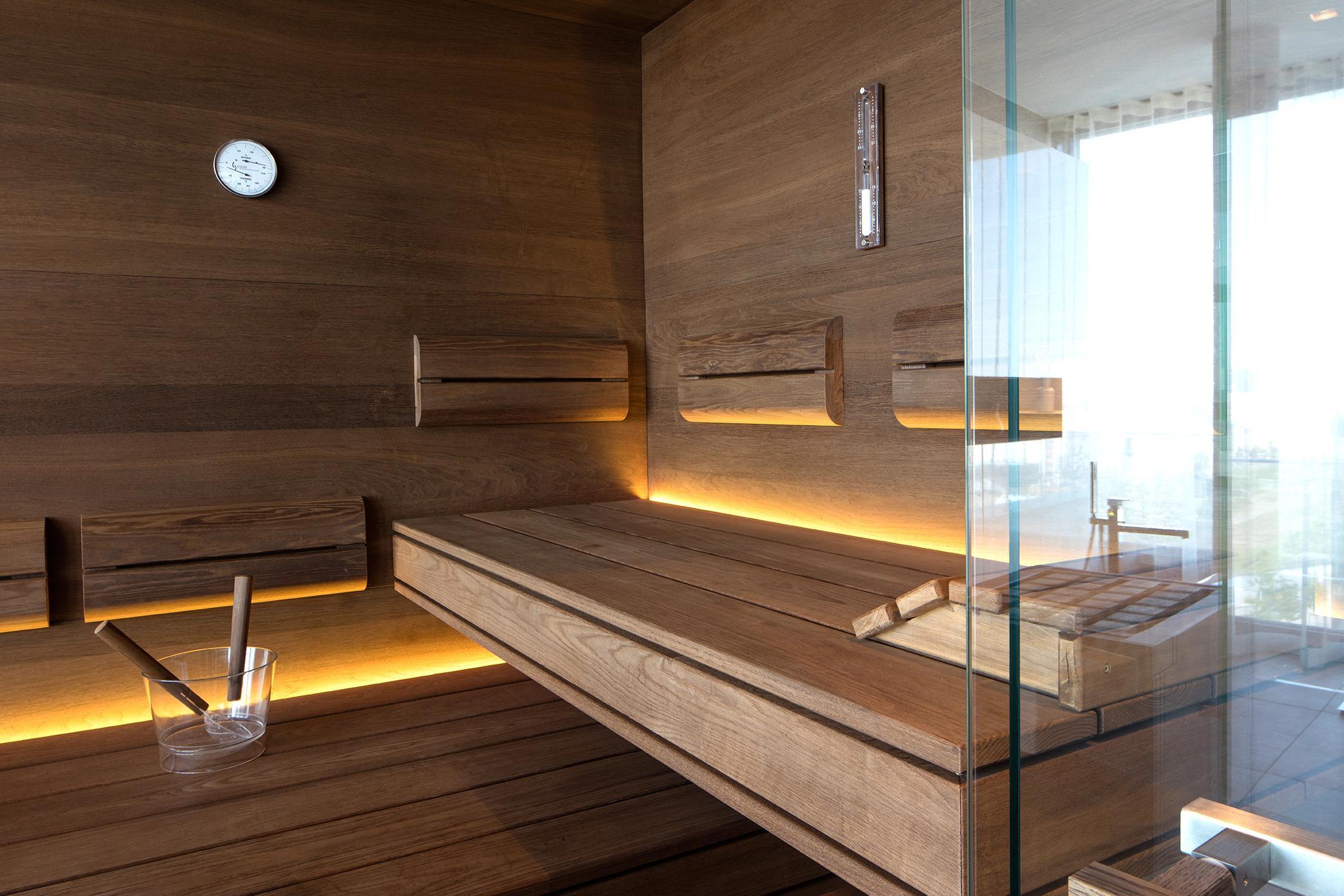 Fabulous Sauna mit viel Glas als Design-Möbelstück #sauna #ba... BX45