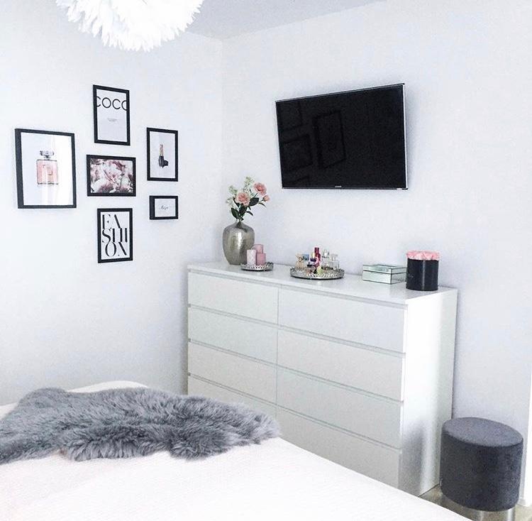 schlafzimmer #bilder #poster #deko • COUCH