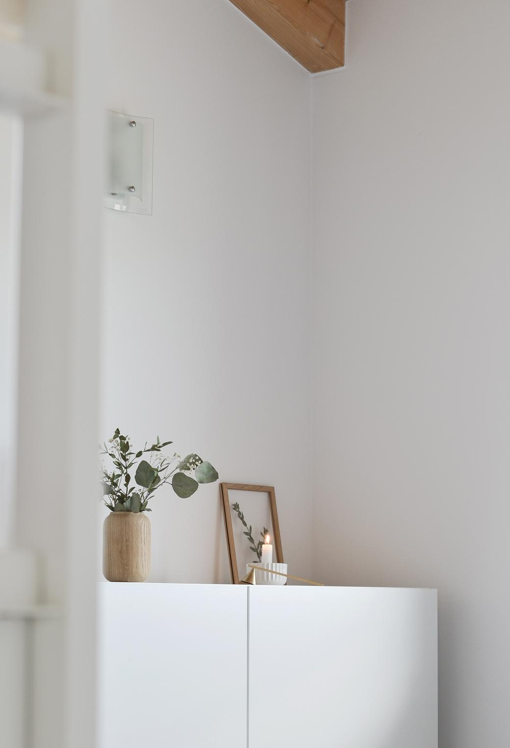 Schlafzimmer ecke  bedroom corner candle puristic scandinavian minimalsm interior whitehome home flowers  737dda36 5b96 44ae 8697 2734e51f3b03