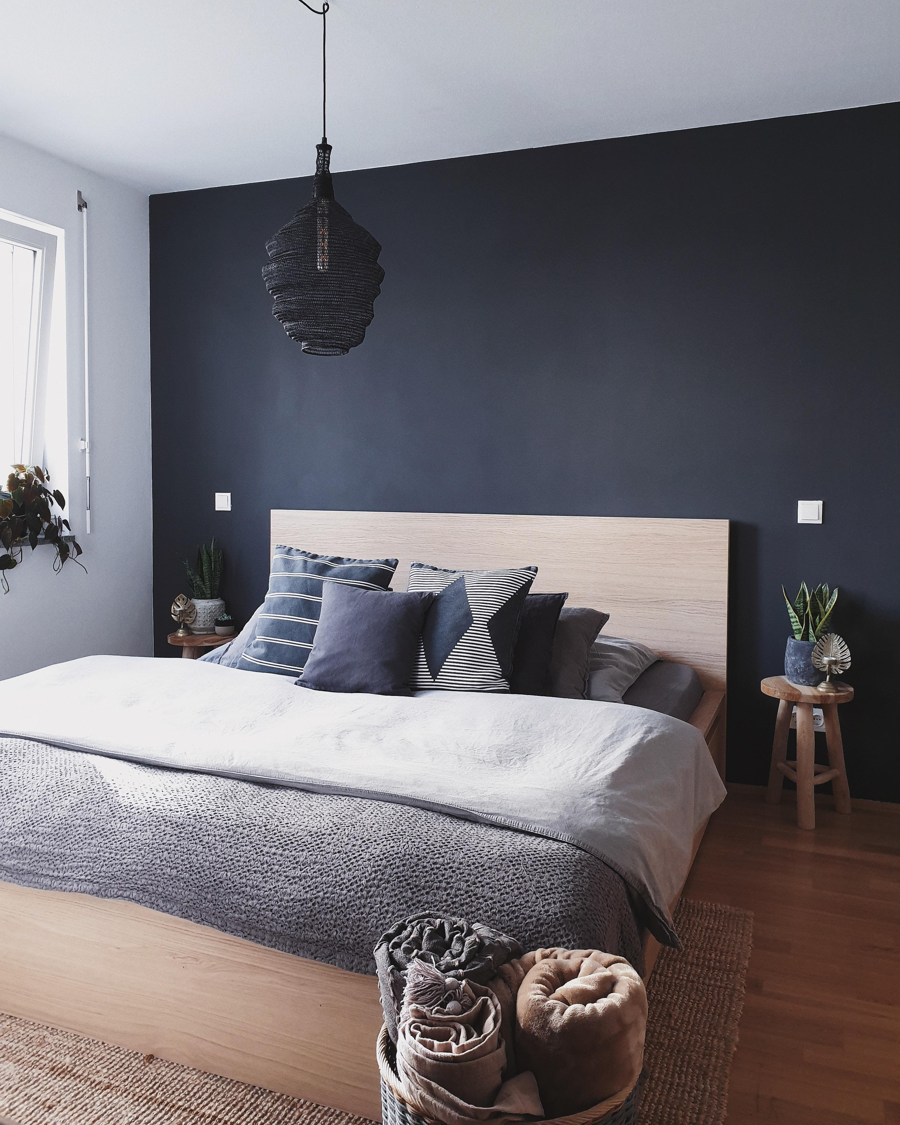 Schlafzimmer homeinspo darkbohemian bedroomdecor  3eb5fc86 0bfe 477f bf1d 10157d2576a4