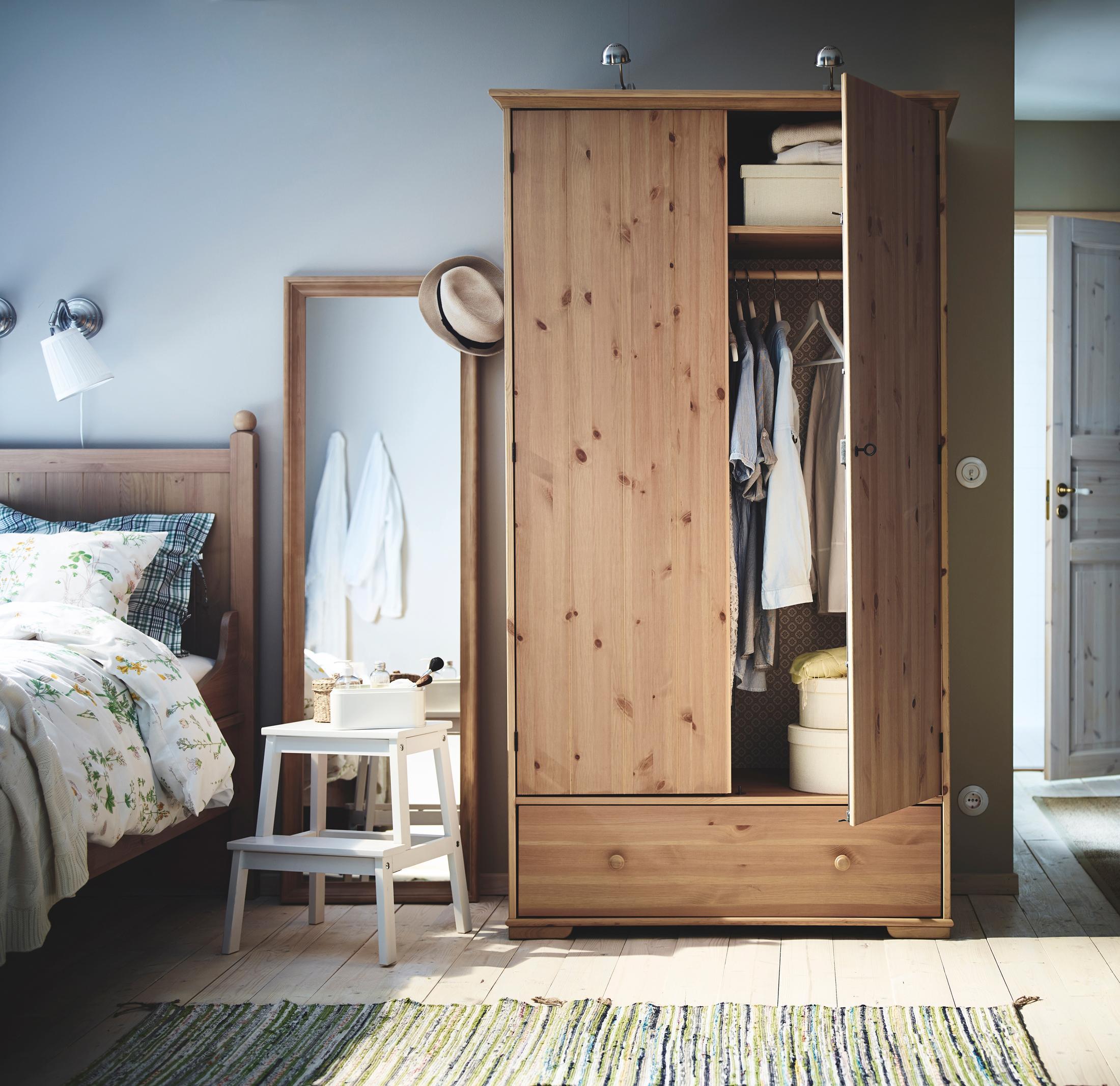 Beistelltisch Schlafzimmer • Bilder & Ideen • Couchs