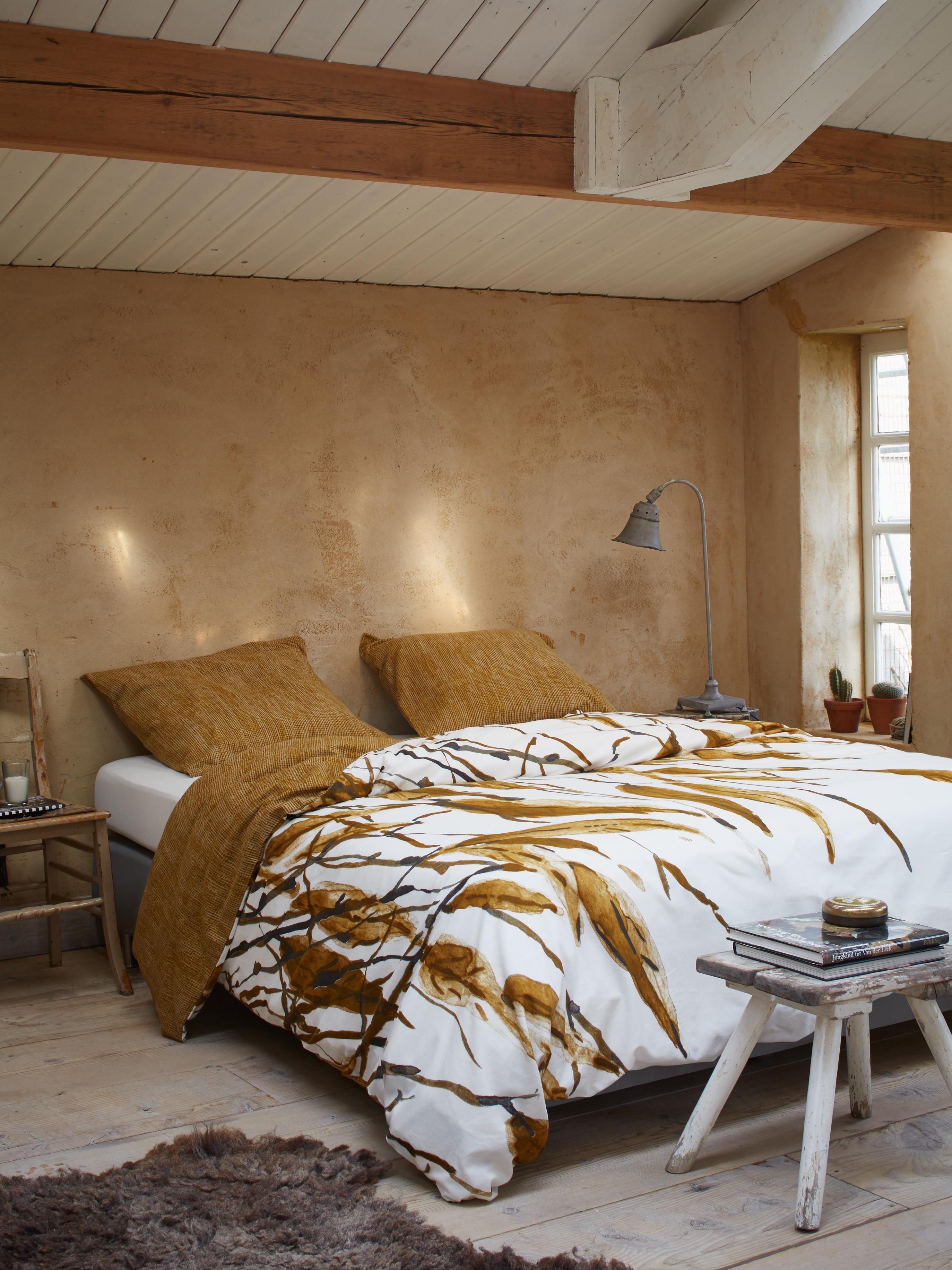 Schlafzimmer Im Landhausstil Einrichten #bett #bettwäsche #landhausstil  #zimmergestaltung ©Essenza Home/