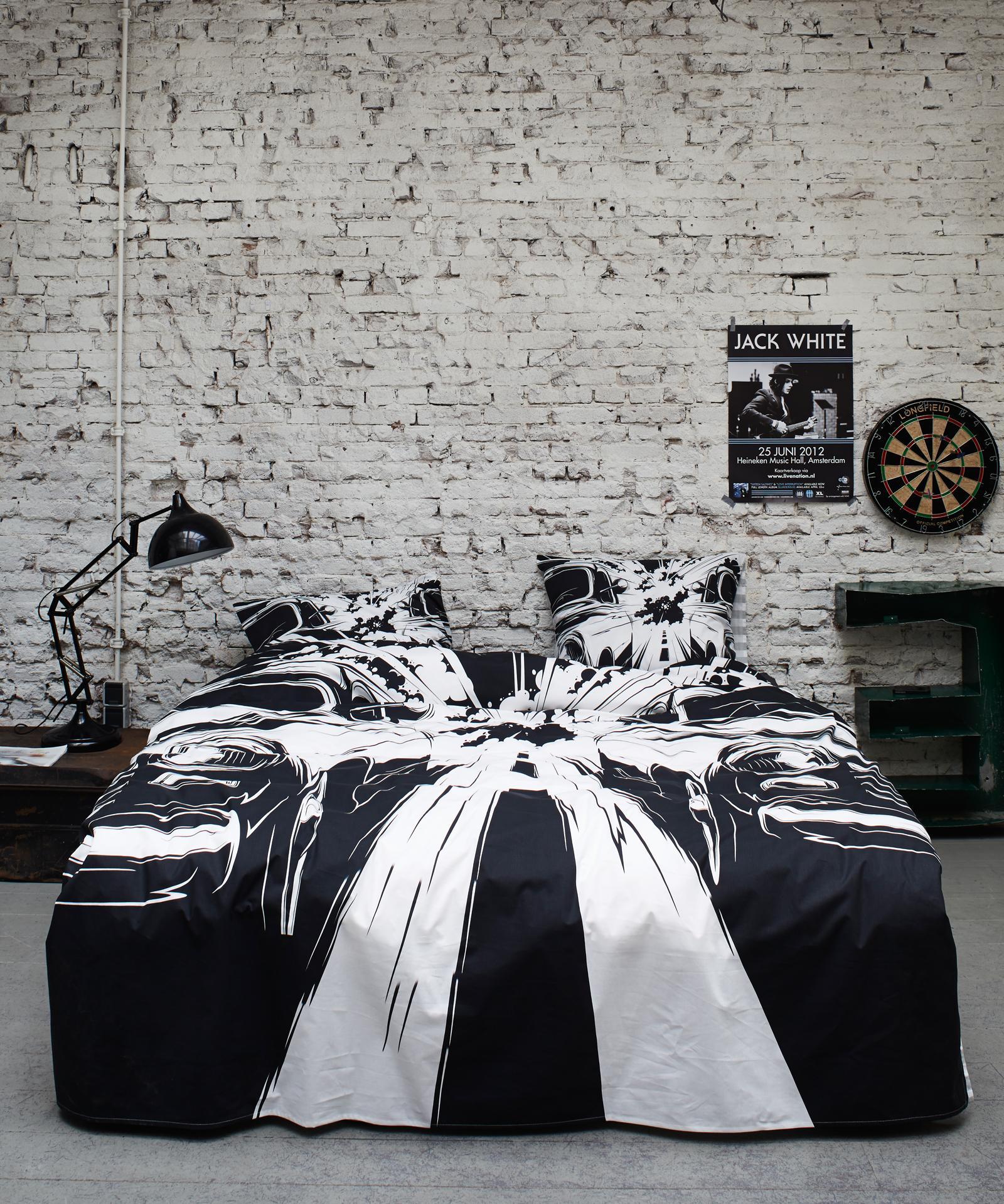 Schlafzimmer in Schwarz-Weiß #bettwäsche ©Essenza Ho...