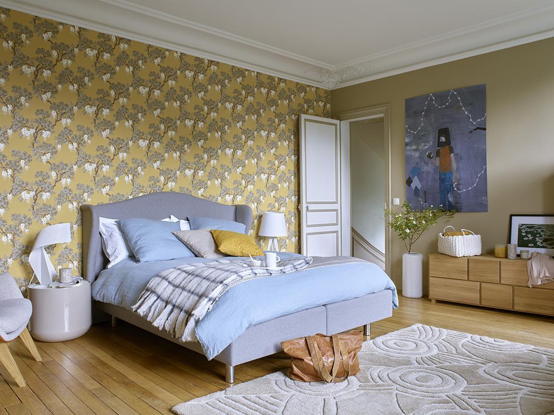 schlafzimmer in senfgelb mustertapete senfgelb skandinavischesdesign habitat - Muster Tapete Schlafzimmer