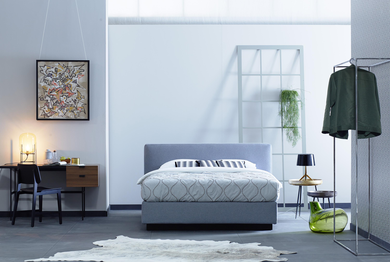 Schlafzimmer Minimalistisch Einrichten Kleiderstang