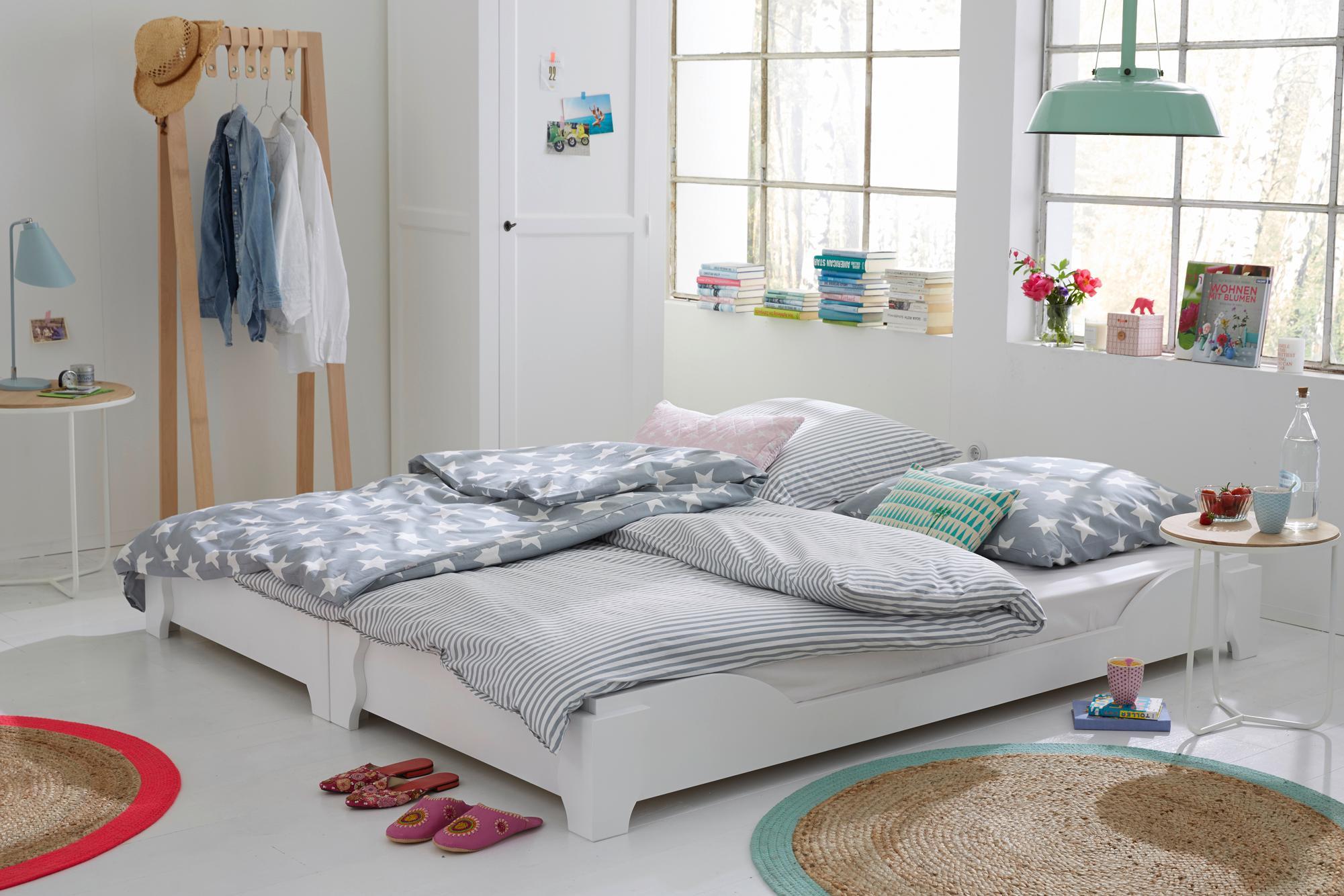 Schlafzimmer Mit Großen Fenstern #zimmergestaltung ©Car Selbstbaumöbel