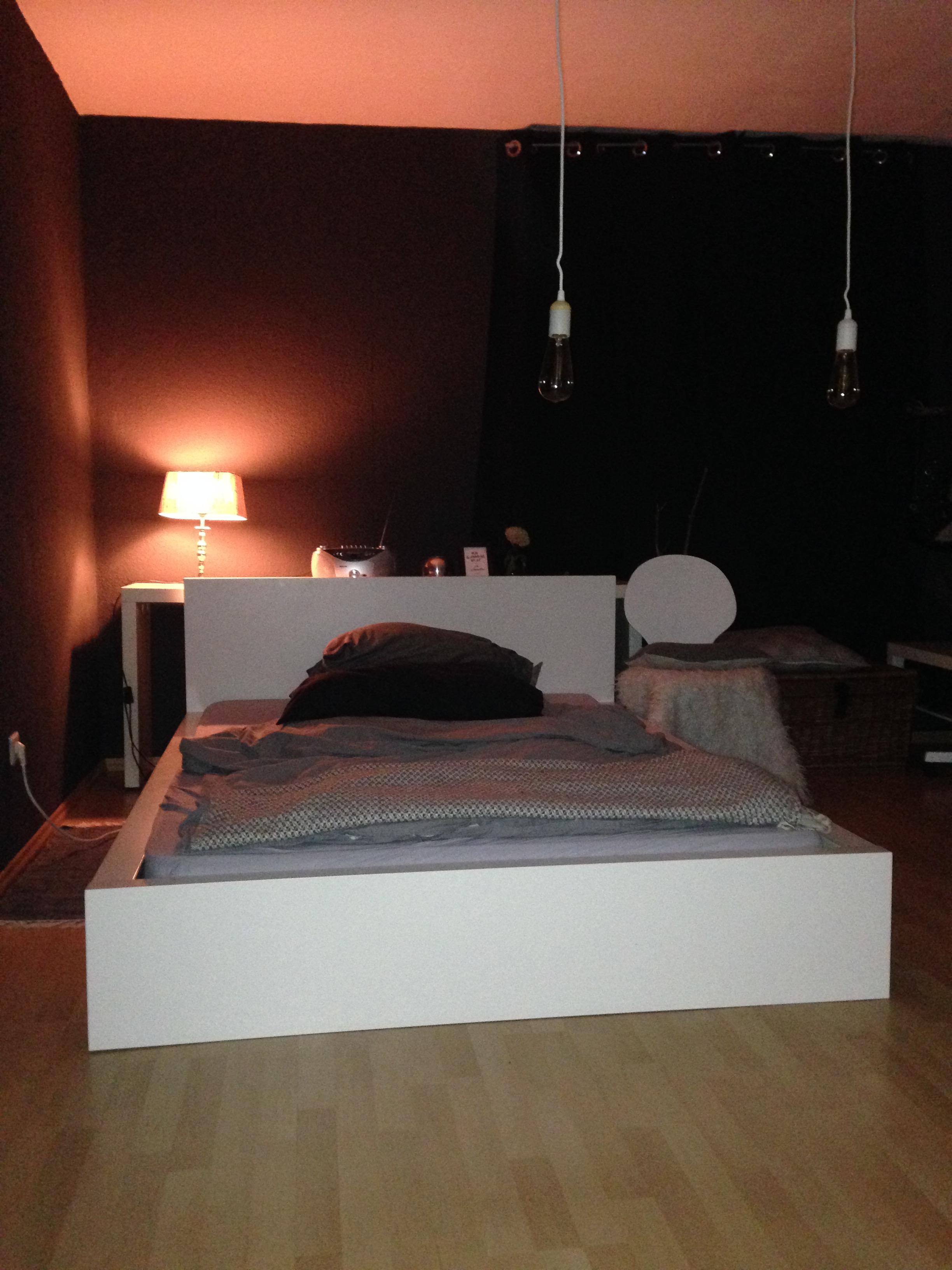 Schlafzimmer neu gemacht #dunkle Wände • COUCH