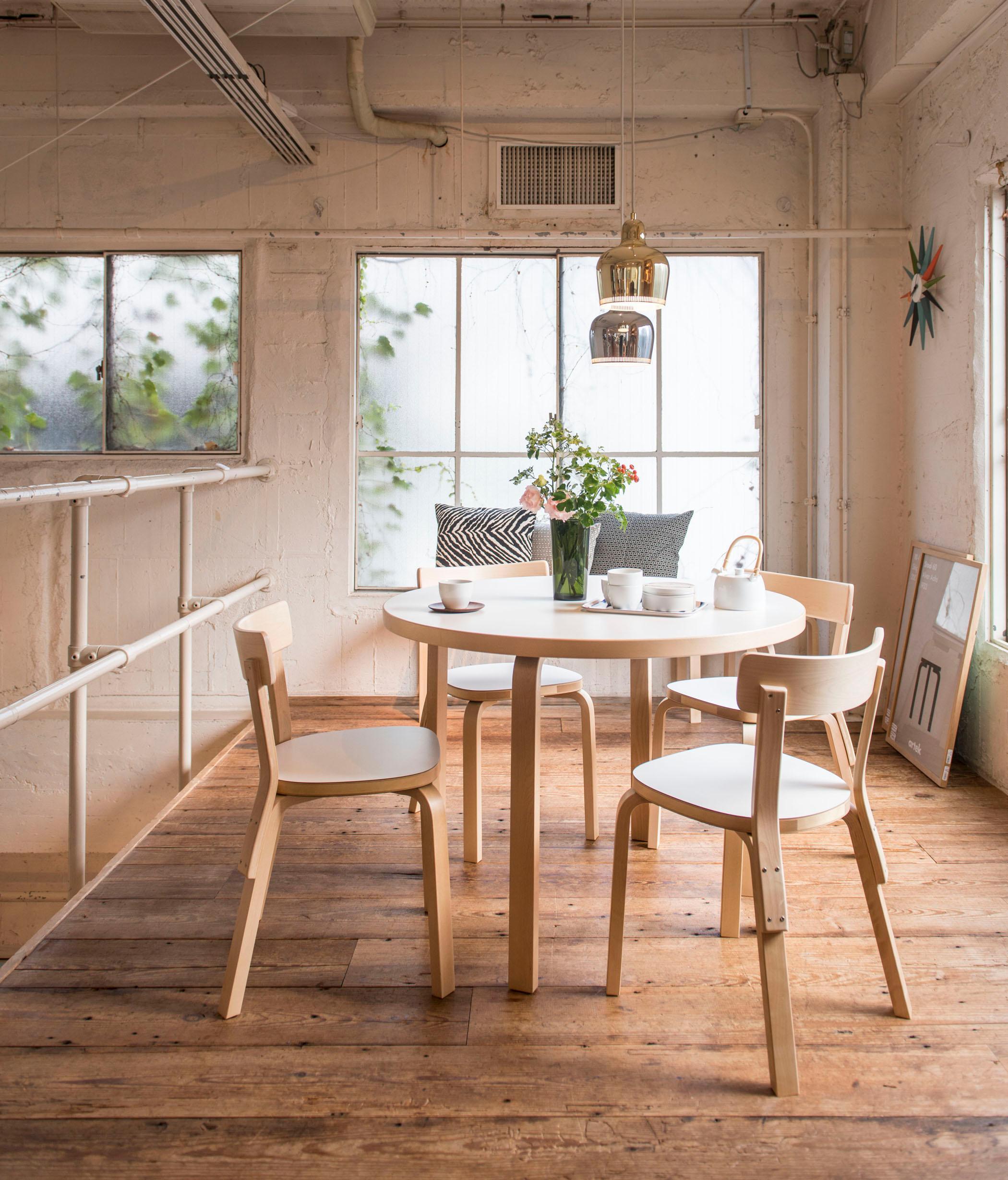 Runder esstisch bilder ideen couchstyle for Runder esstisch design