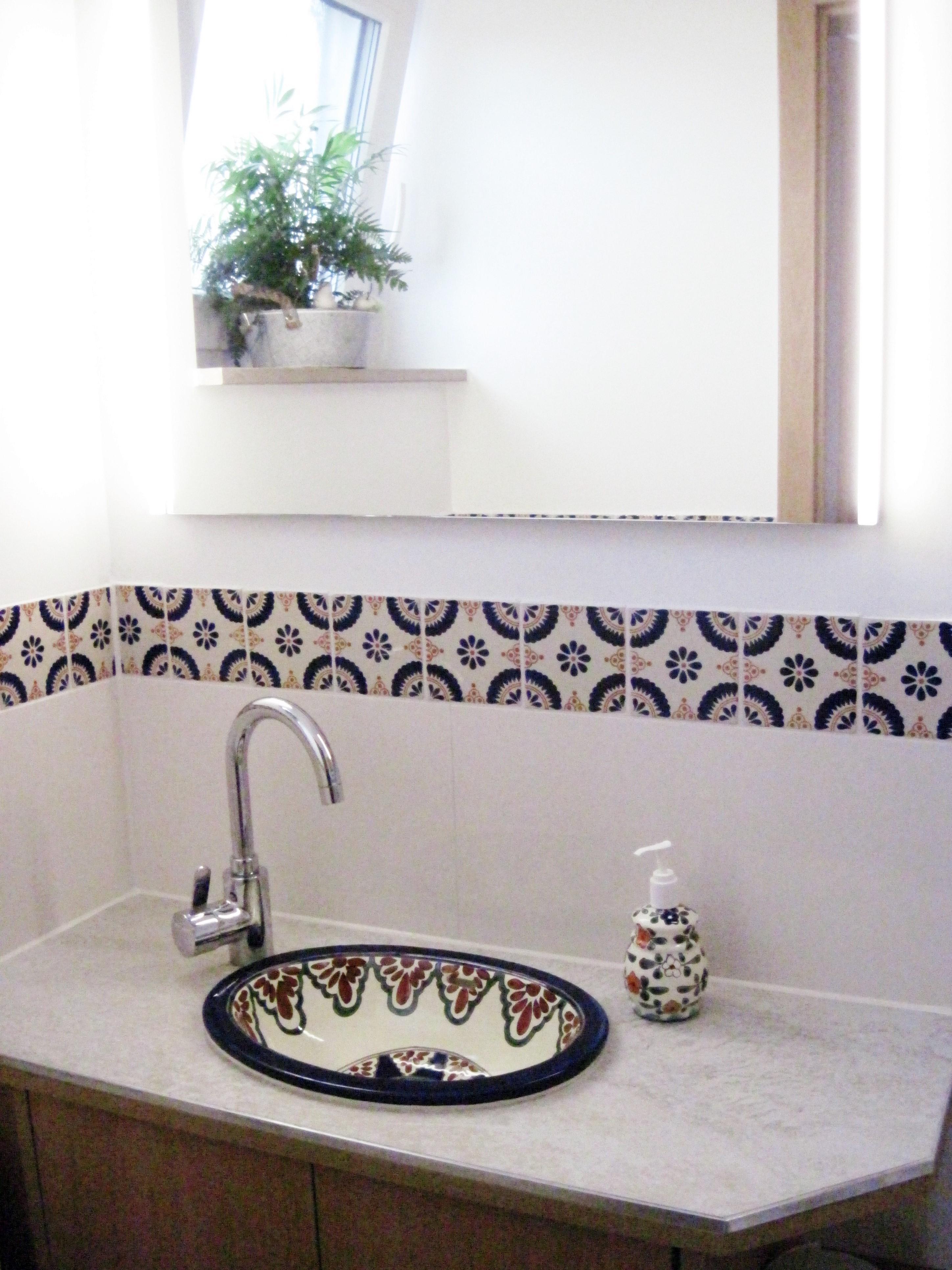 sch ne fliesen und waschbecken aus mexiko f r g ste. Black Bedroom Furniture Sets. Home Design Ideas