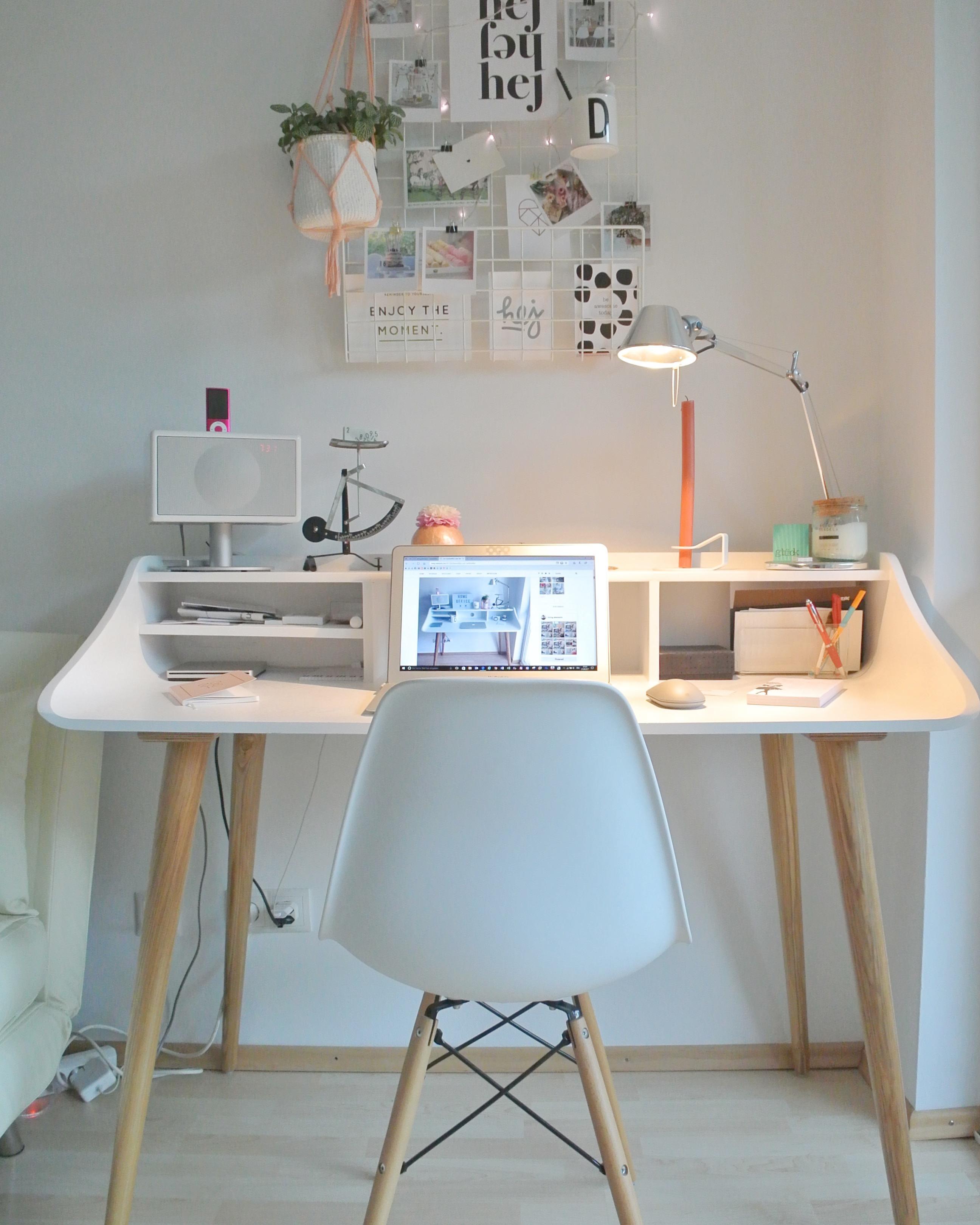 Schreibtisch Im #skandistyle #schreibtisch #homeoffice #schreibtischstuhl  #arbeitsplatz #couchdeskchallenge