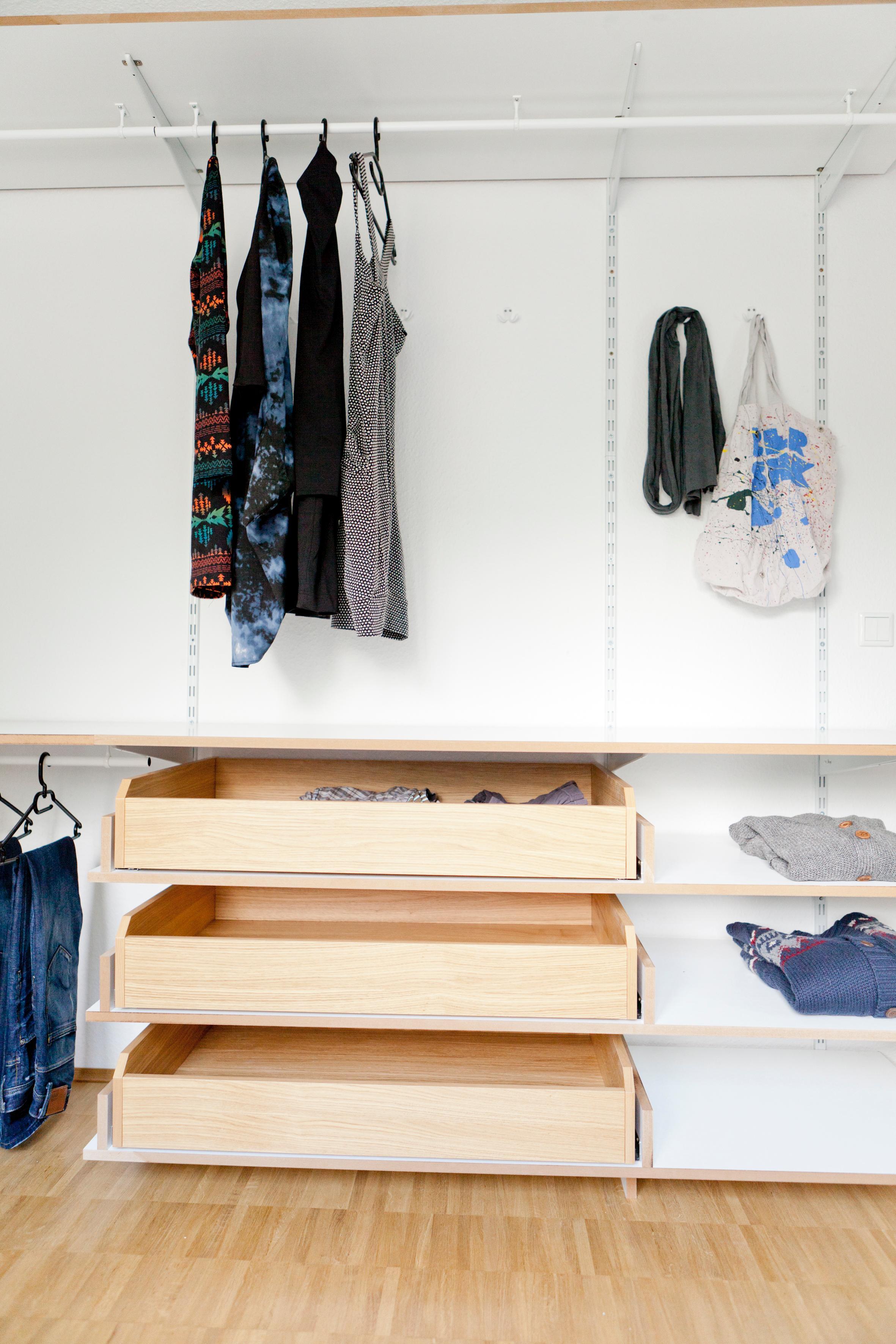 Ankleidezimmer bilder ideen couchstyle - Kleiderablage ideen ...