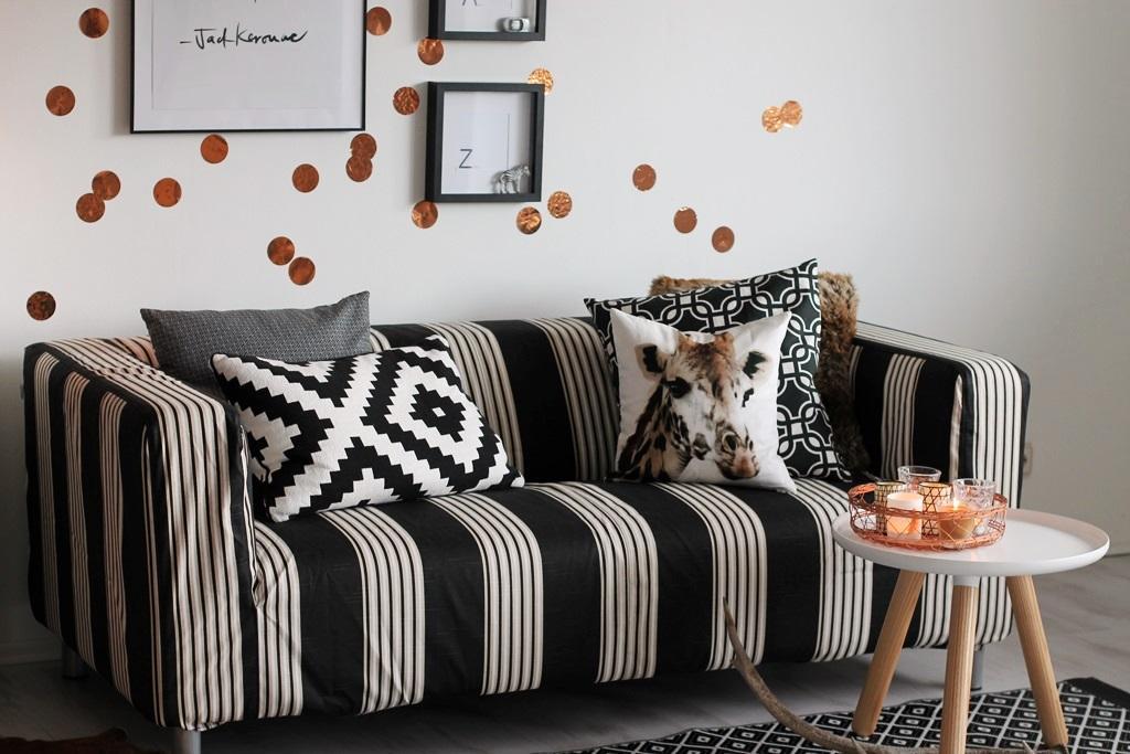 schwarz wei er bezug und kissen stuhl sessel kiss. Black Bedroom Furniture Sets. Home Design Ideas