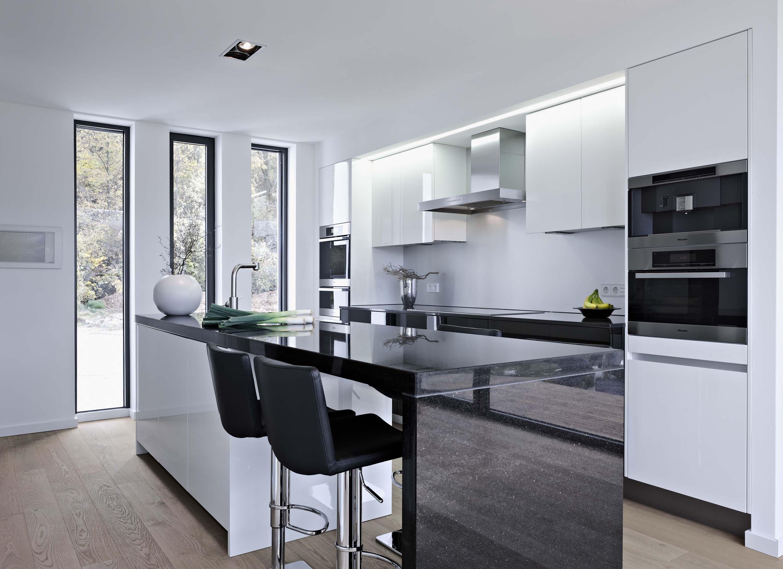 Küche Wandschrank | Schwarze Barhocker In Offener Kuche Barhocker Arbe