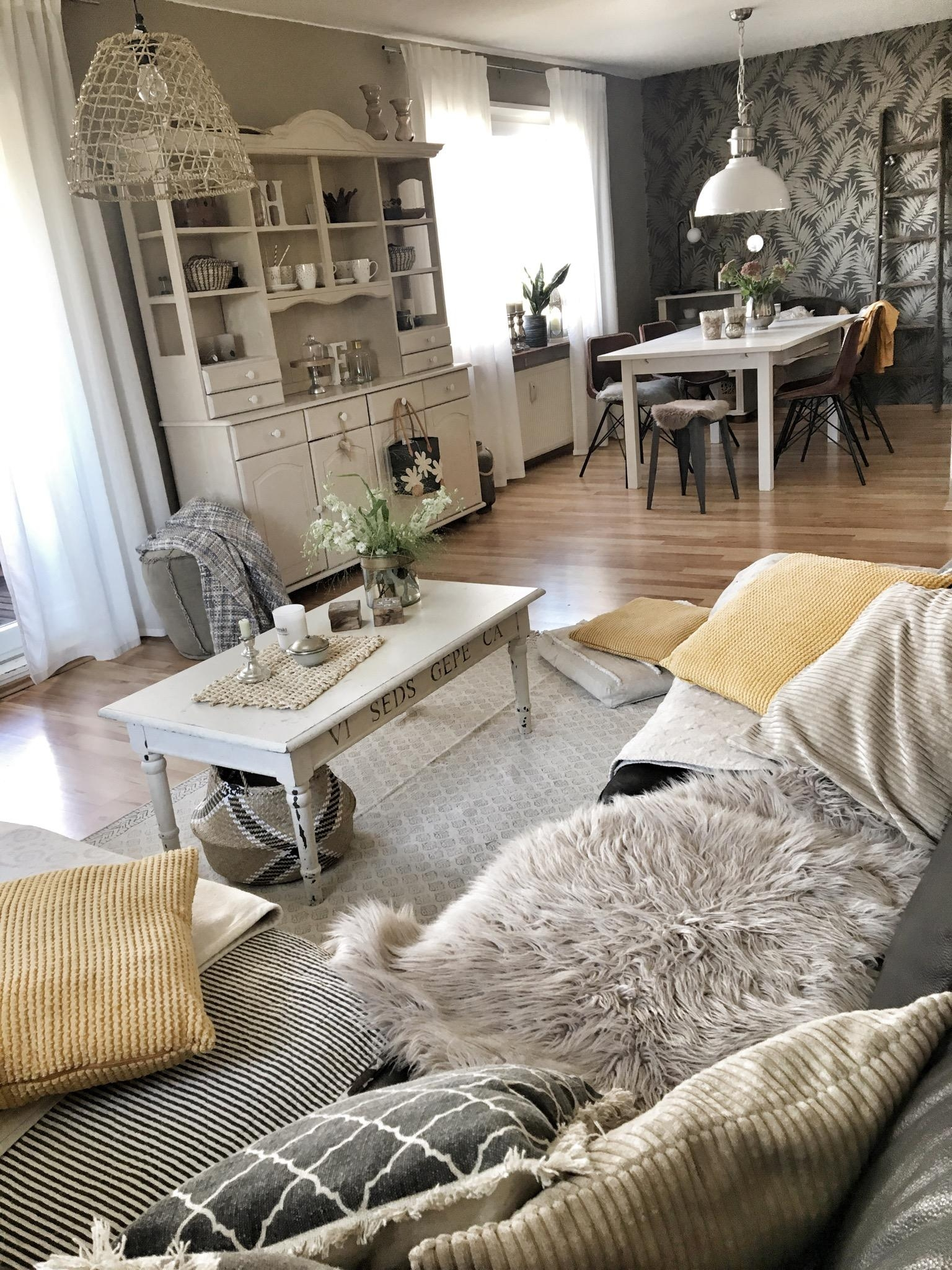 Senfgelb Liebe #Wohnzimmer#livingroom#interior_and_living#pocketofmyhome#Lieblingsplatz  #schönerwohnen#myhome