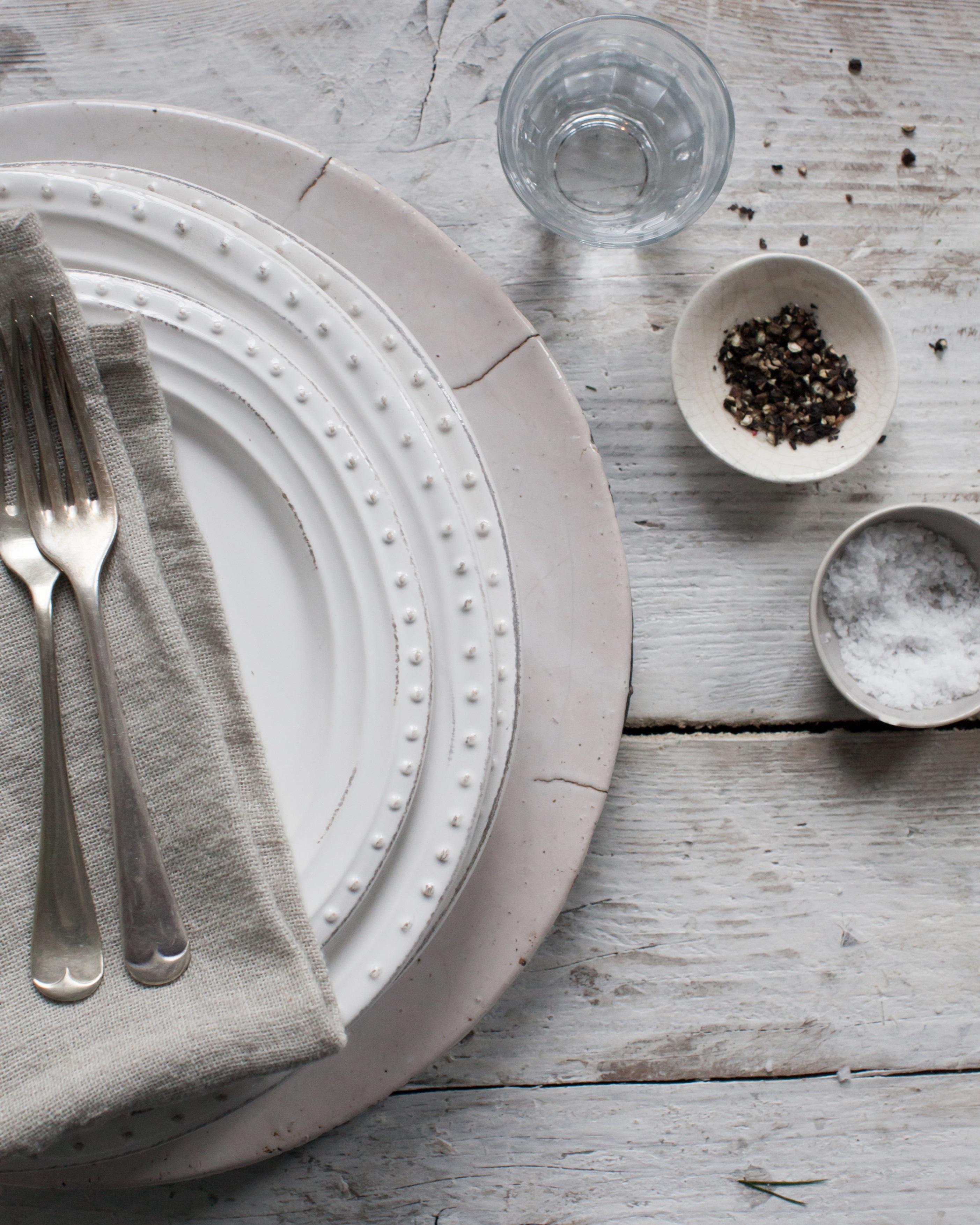 Geschirr Landhausstil service bosley serviette emily küche holztisch g