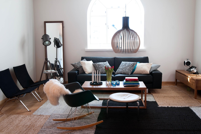 Sessel In Schwarz Couchtisch Hocker Teppich Sess