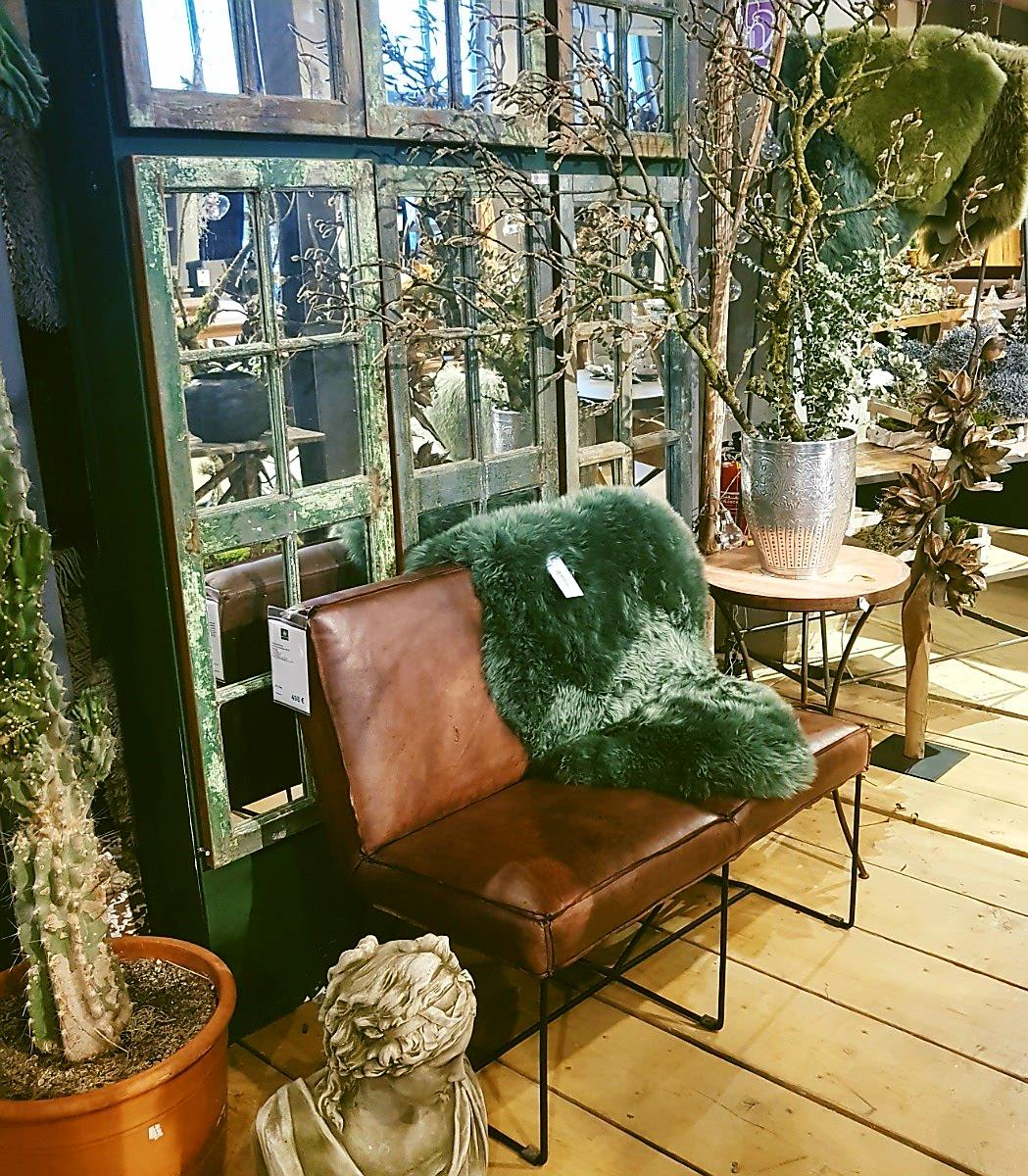 Shoppigtour im Wunderland/ #couch #fell #shabby #altefenster #grün