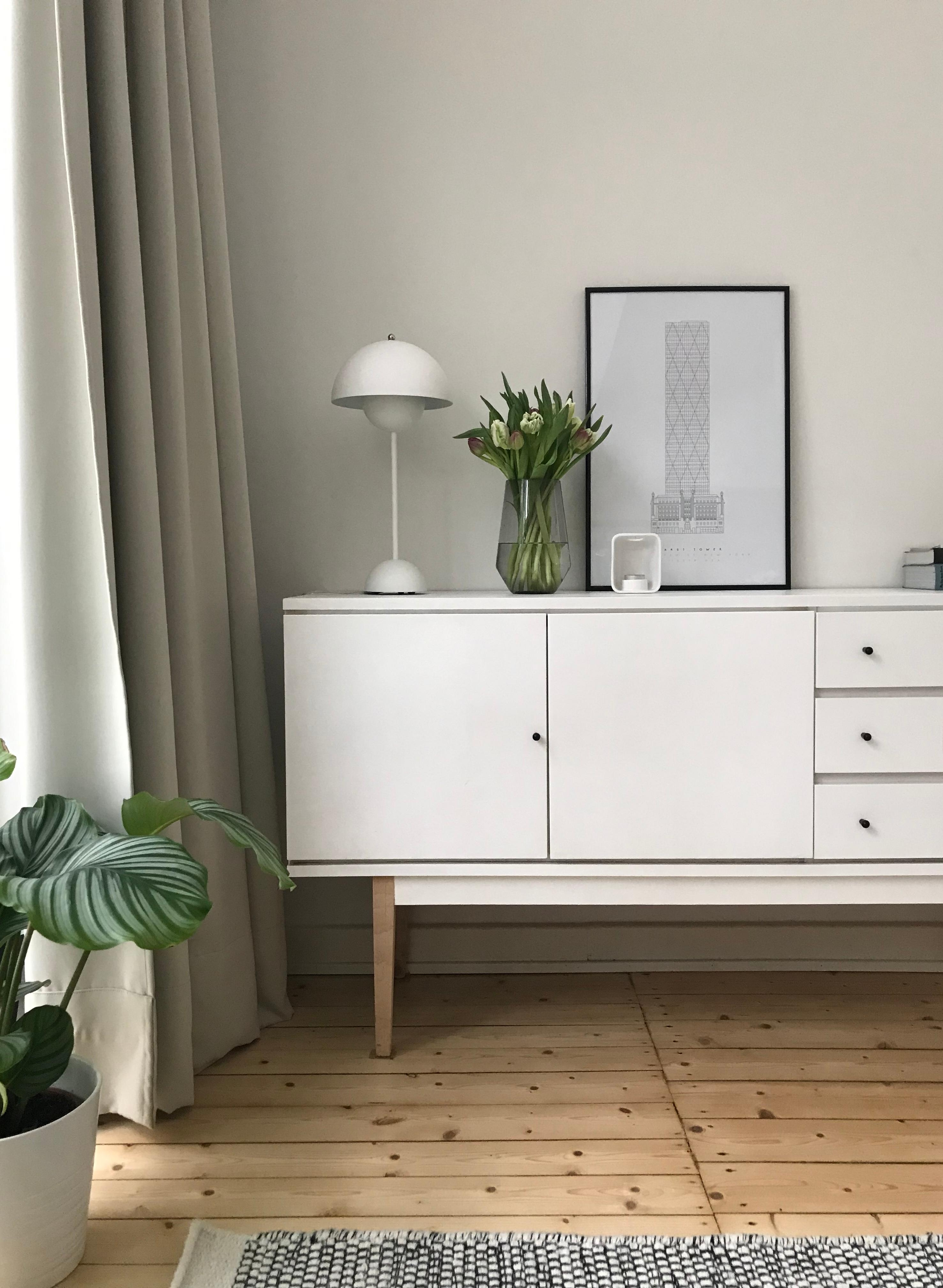 Sideboard Lampe Tulpenliebe Couch