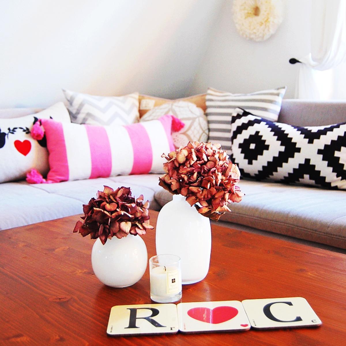 Sitzecke Wohnzimmer Kissen C 1aliving Couch