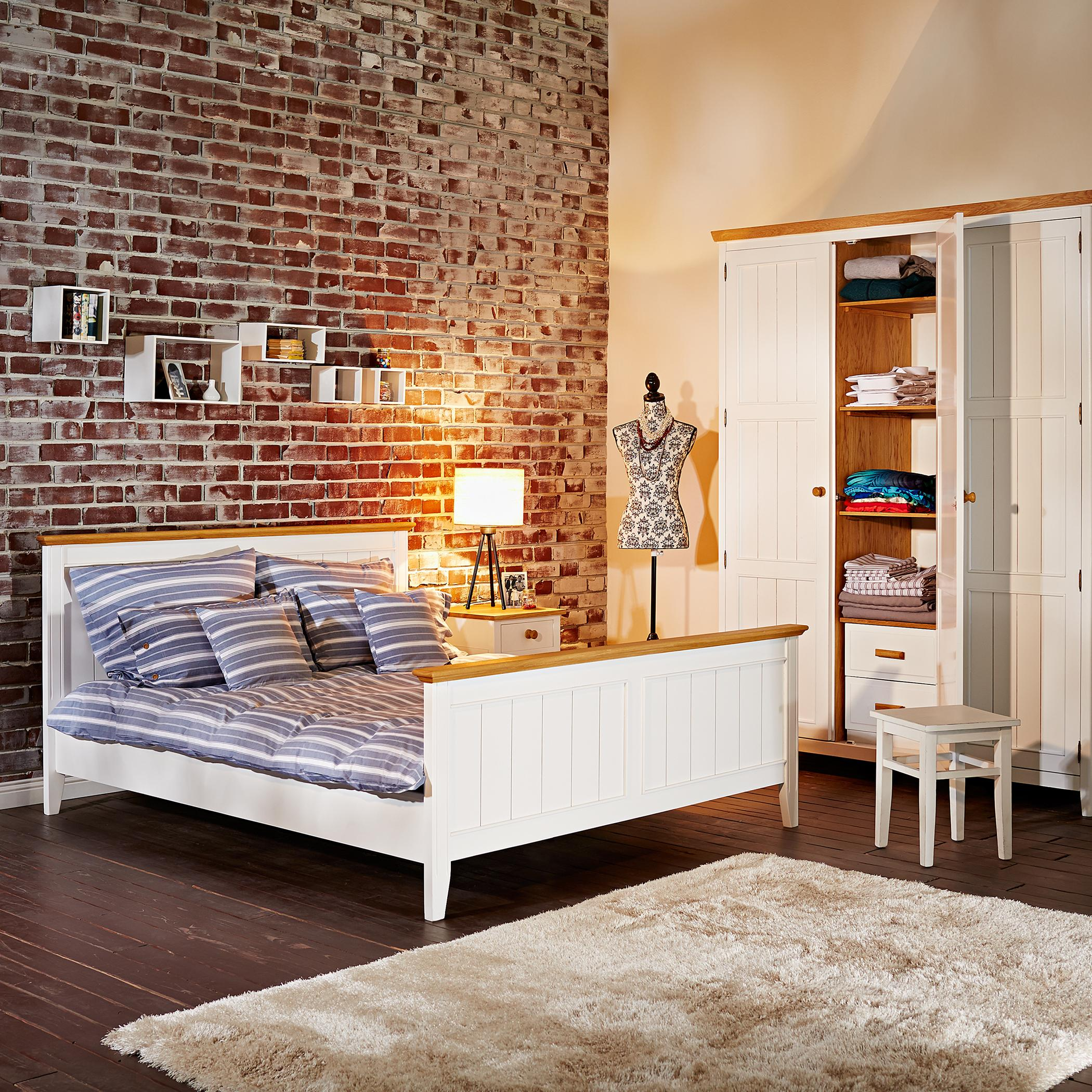 skandinavischer stil und used look bett dielenbode. Black Bedroom Furniture Sets. Home Design Ideas
