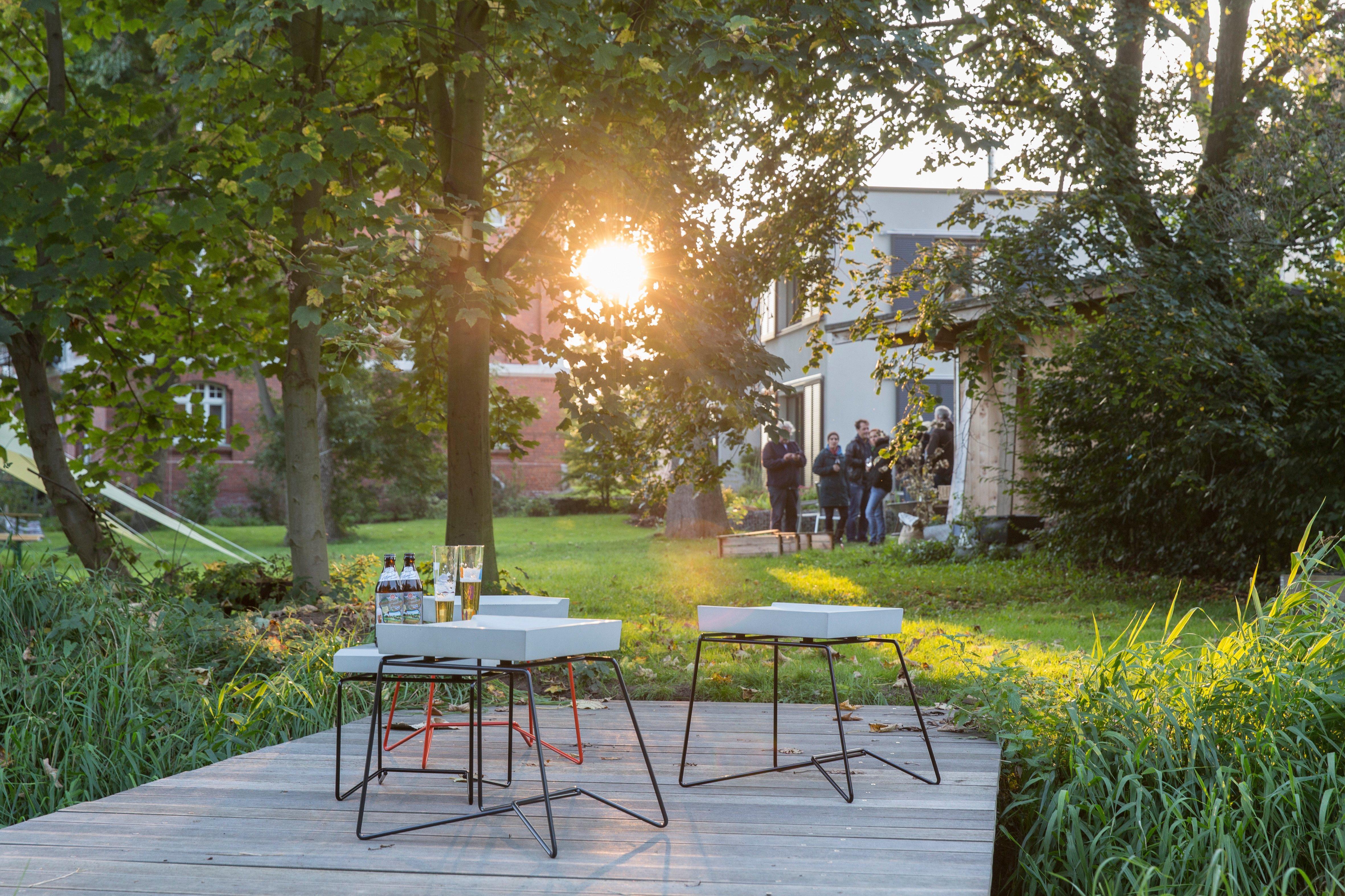 So Lacht Der Feierabend Im Garten Beistelltisch Hocker Sitzgelegenheit Betonmbel CFoto