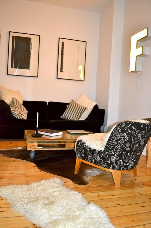 Meine Kleine Wohnung In Berlin Schöneberg Couch