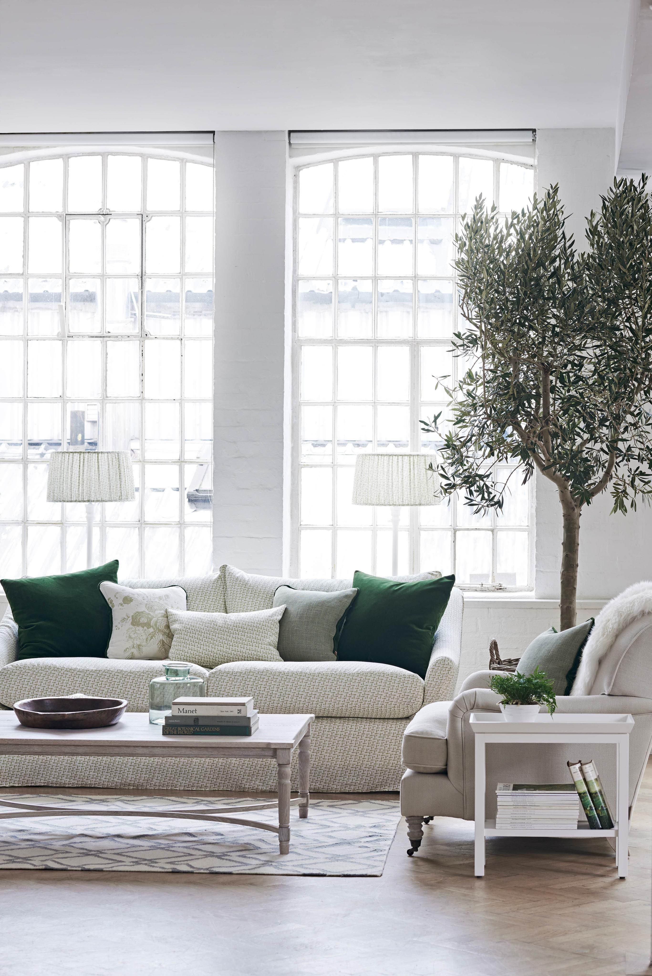 Sofa long island in lara sage beistelltisch blenheim for Long island style