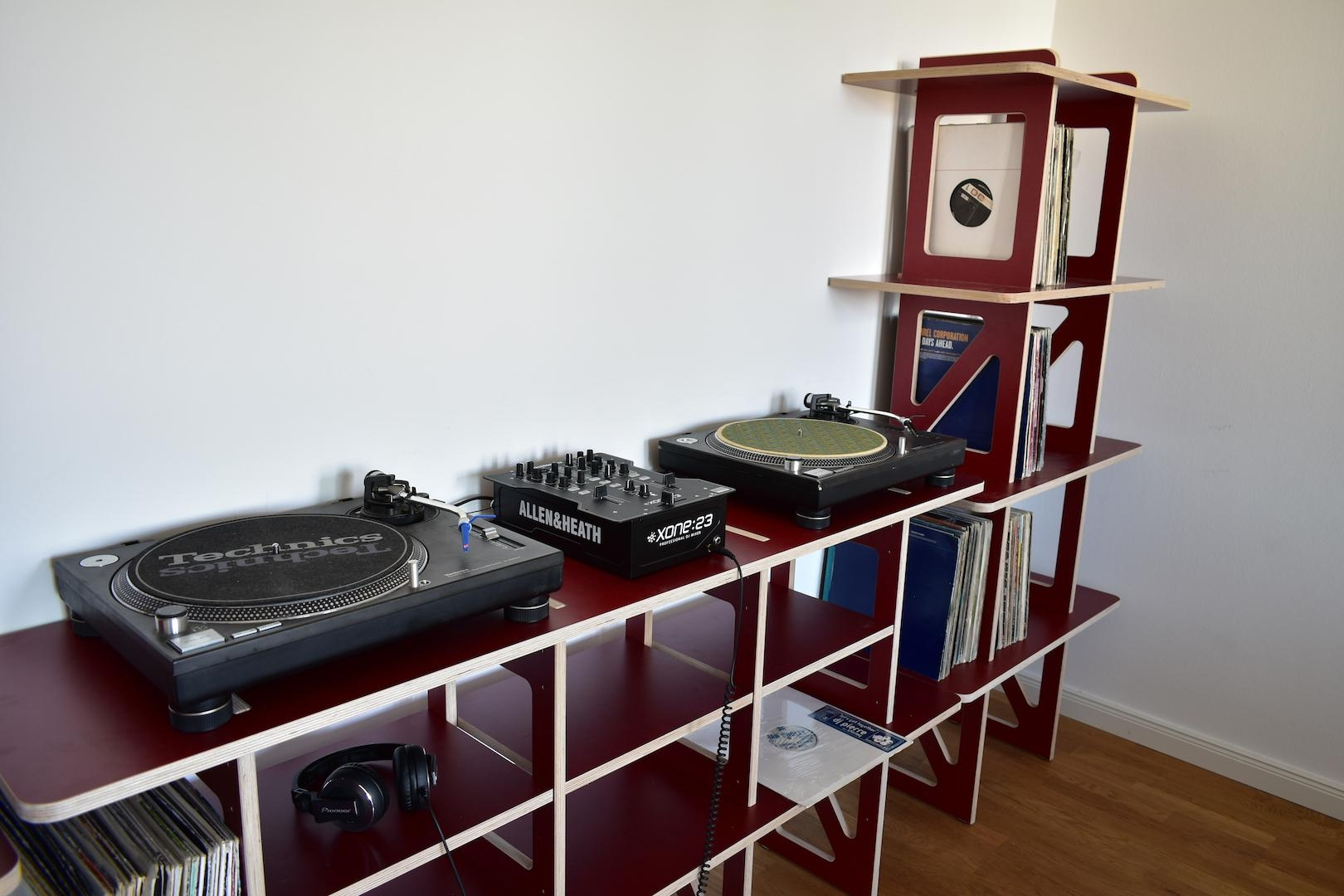 #STARSHELF✨ als #DJ Equipment und #Plattenregal  🎧