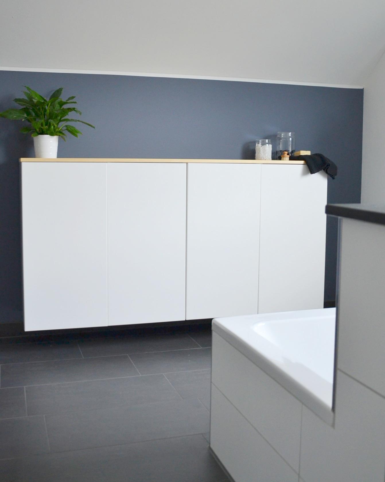 Stauraum im Bad aus Ikea Küchenoberschränken #diywee...