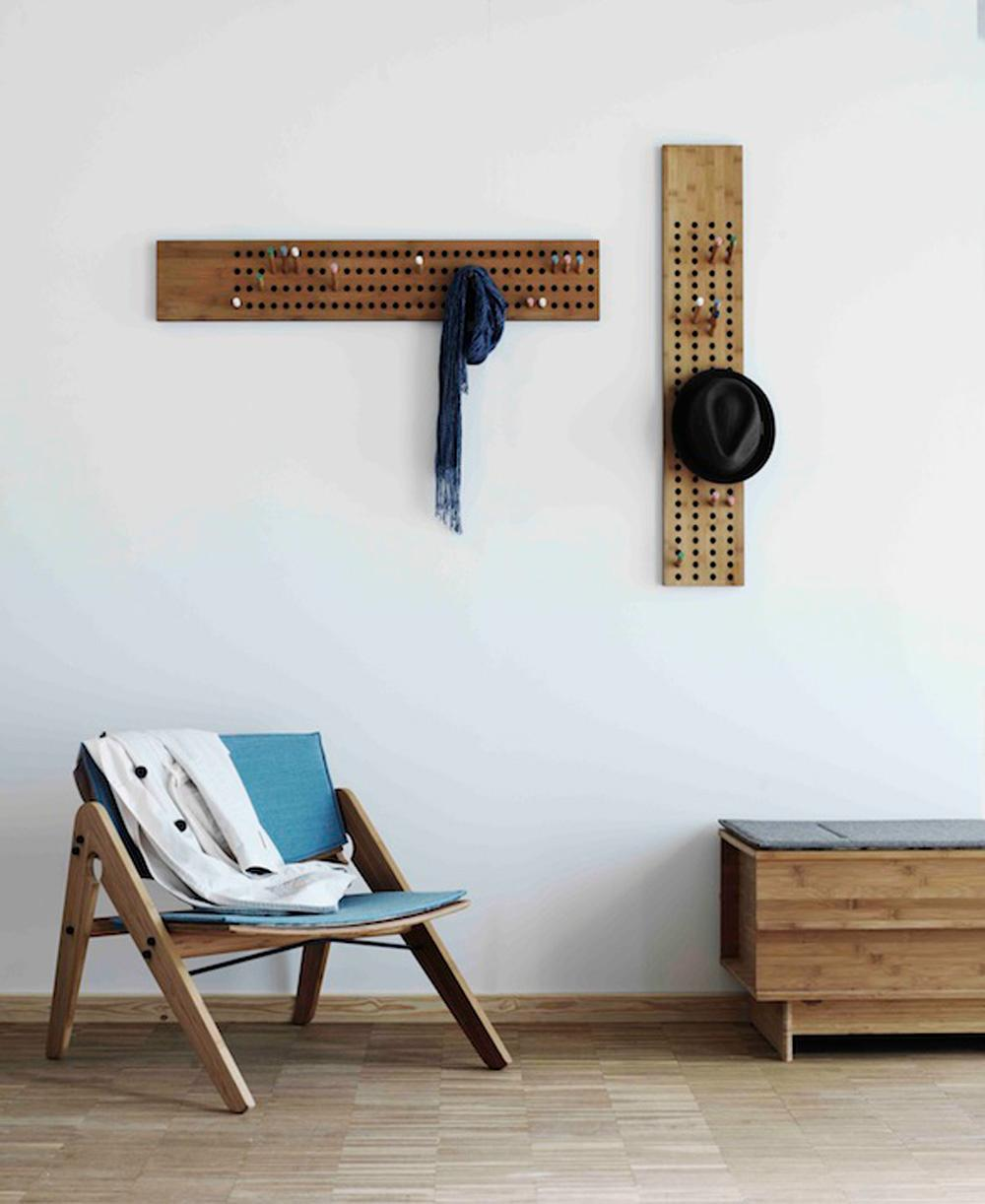 stilvolle Designer Garderobe SCOREBOARD #garderobe #hakenleiste ©We Do Wood